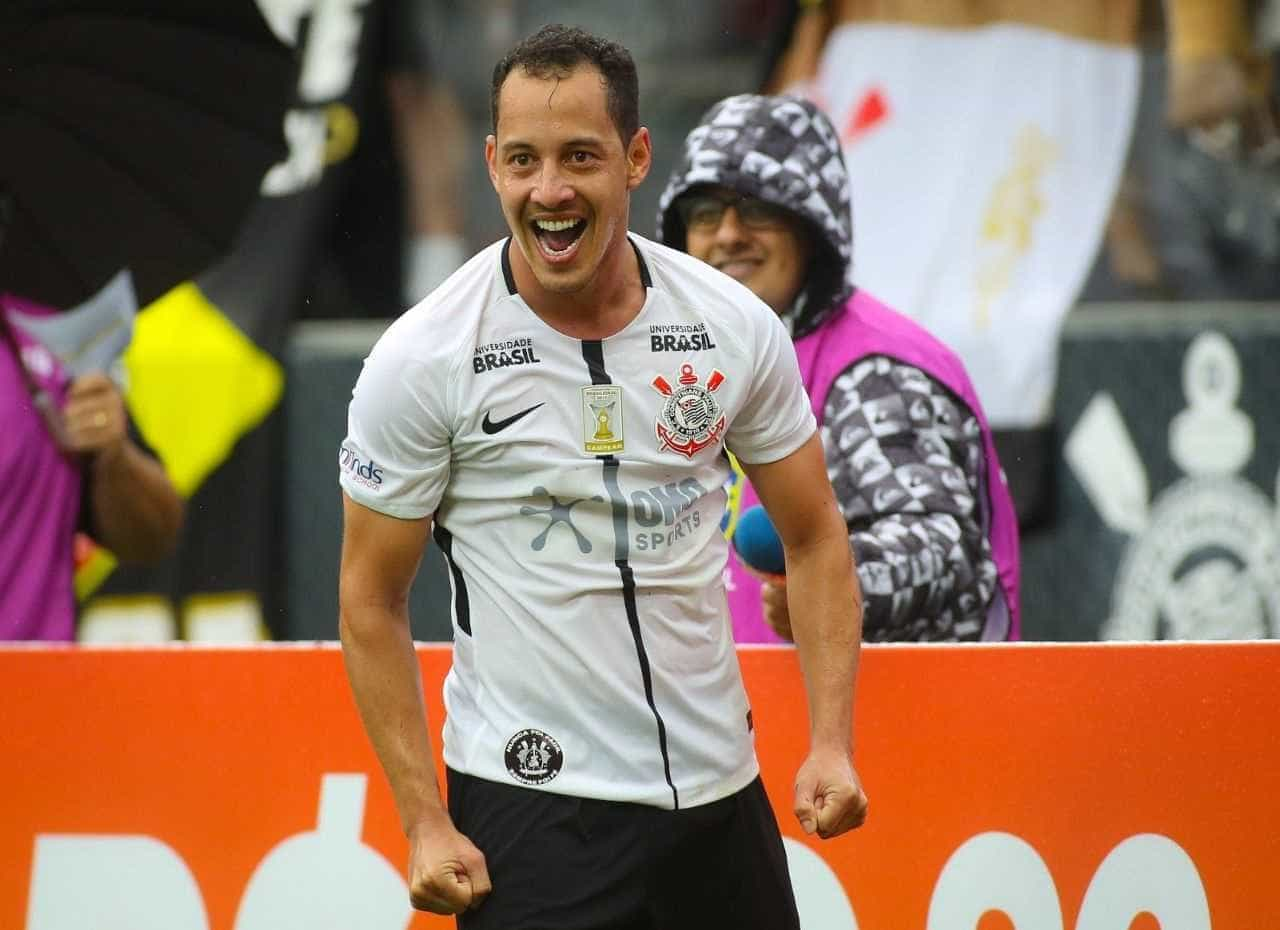 Clube egípcio anuncia a contratação de Rodriguinho, do Corinthians