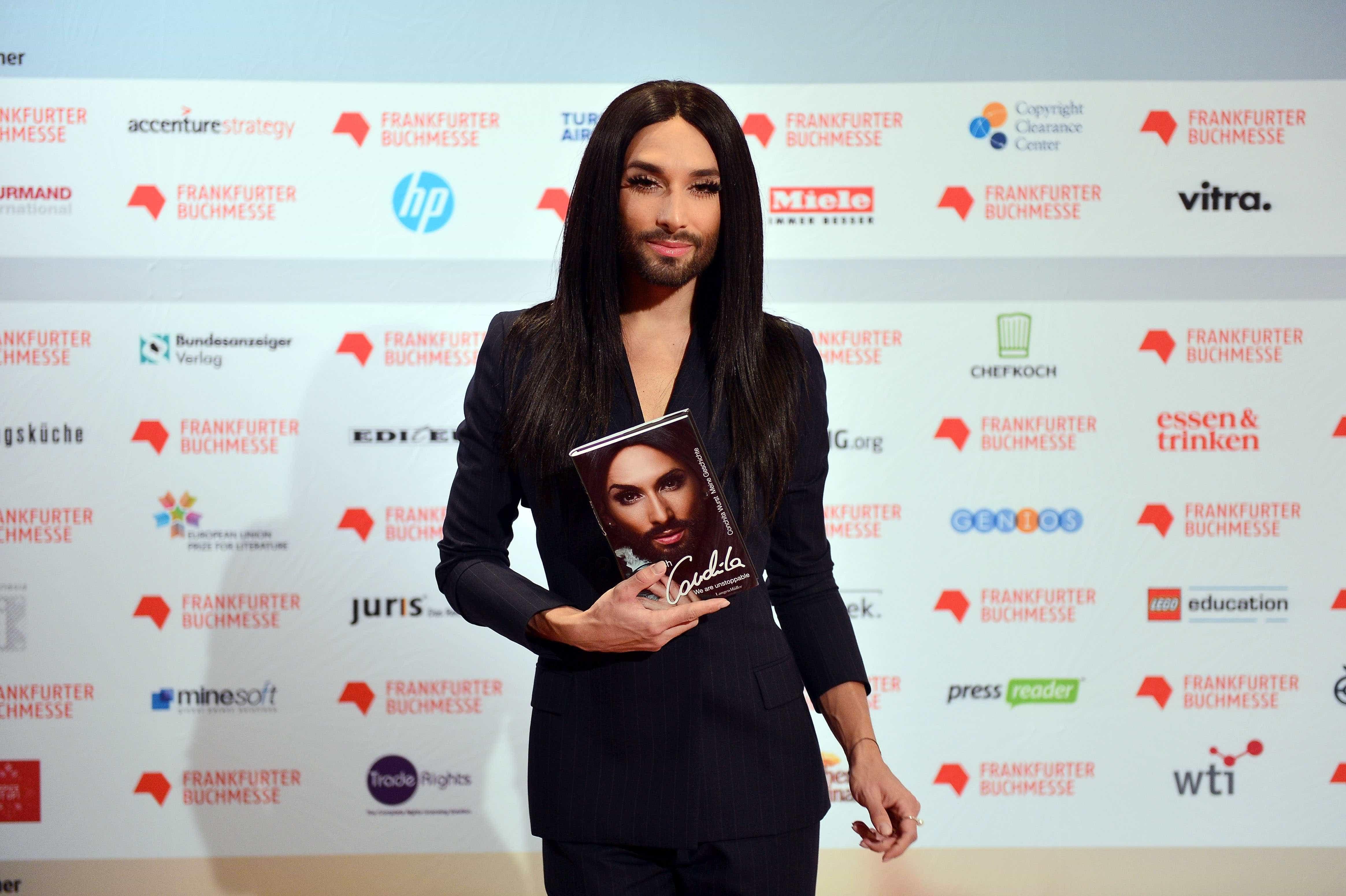 HIV: famosos que admitiram publicamente serem portadores do vírus