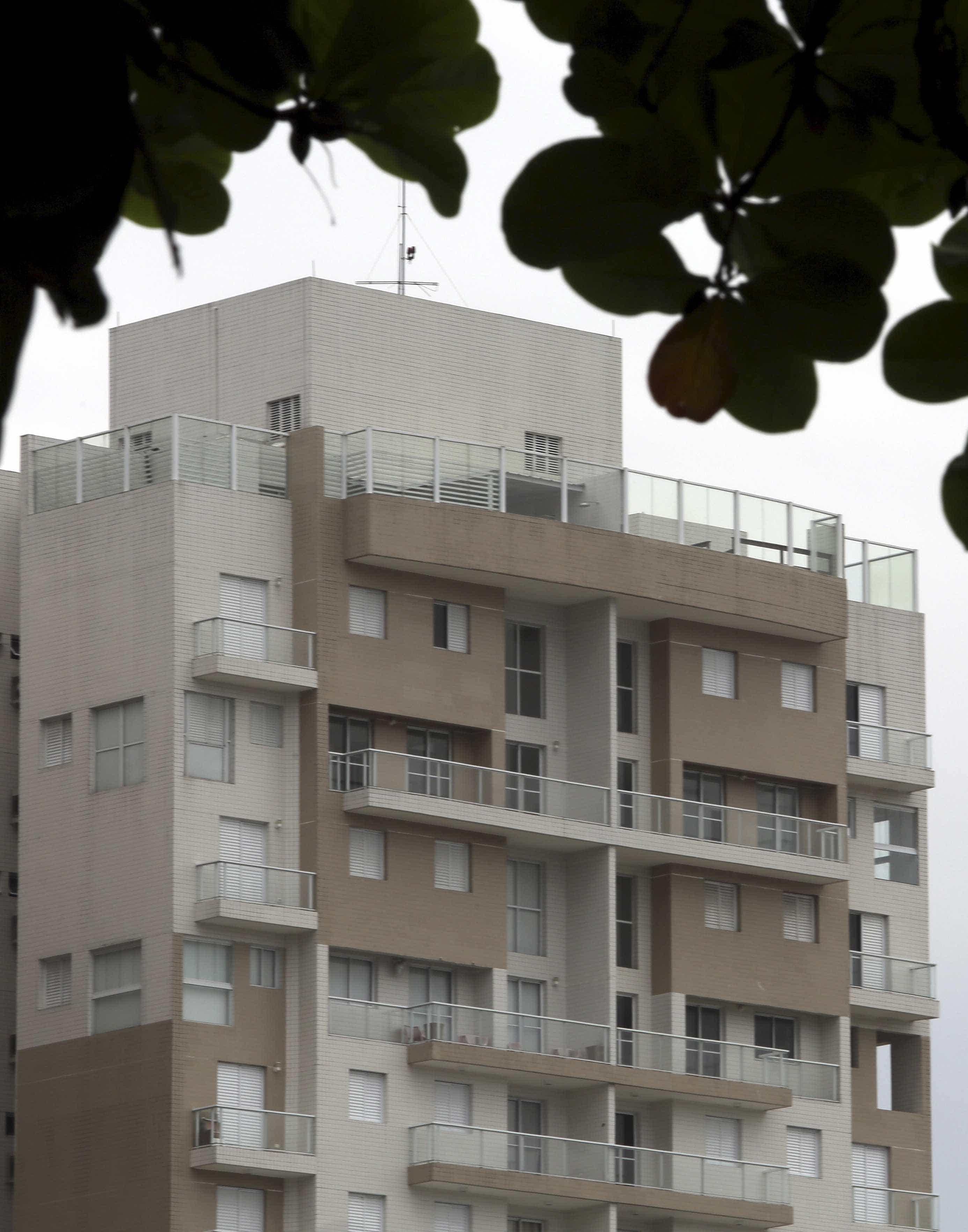 MTST invade triplex atribuído a Lula no Guarujá, no litoral de SP