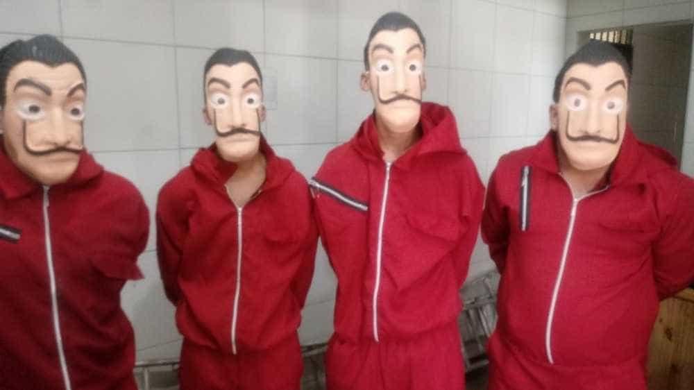 Homens fantasiados de 'La Casa de Papel' acabam presos no Grande Recife