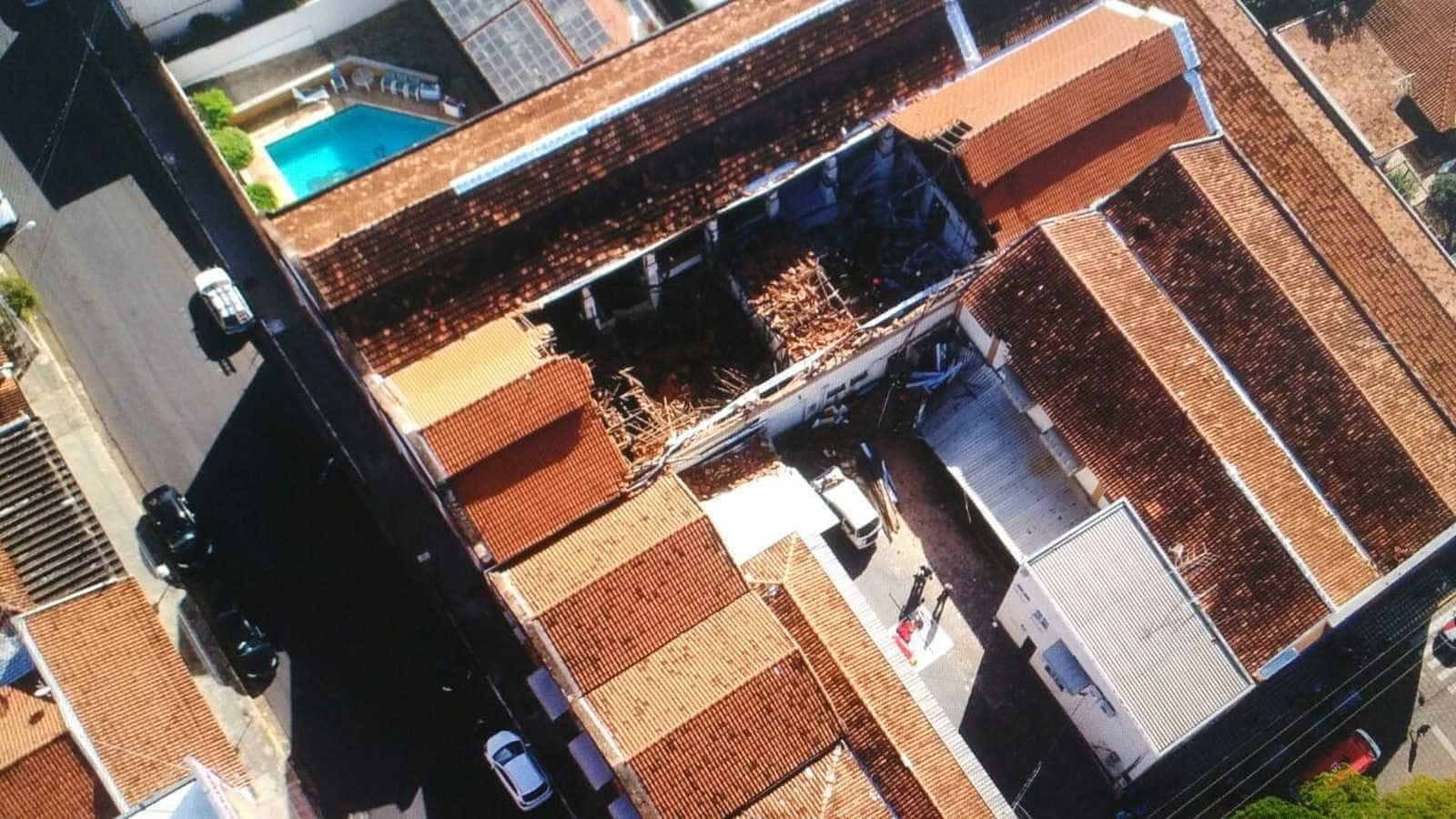 Creche que desabou tinha sido interditada por problemas no teto em 2017