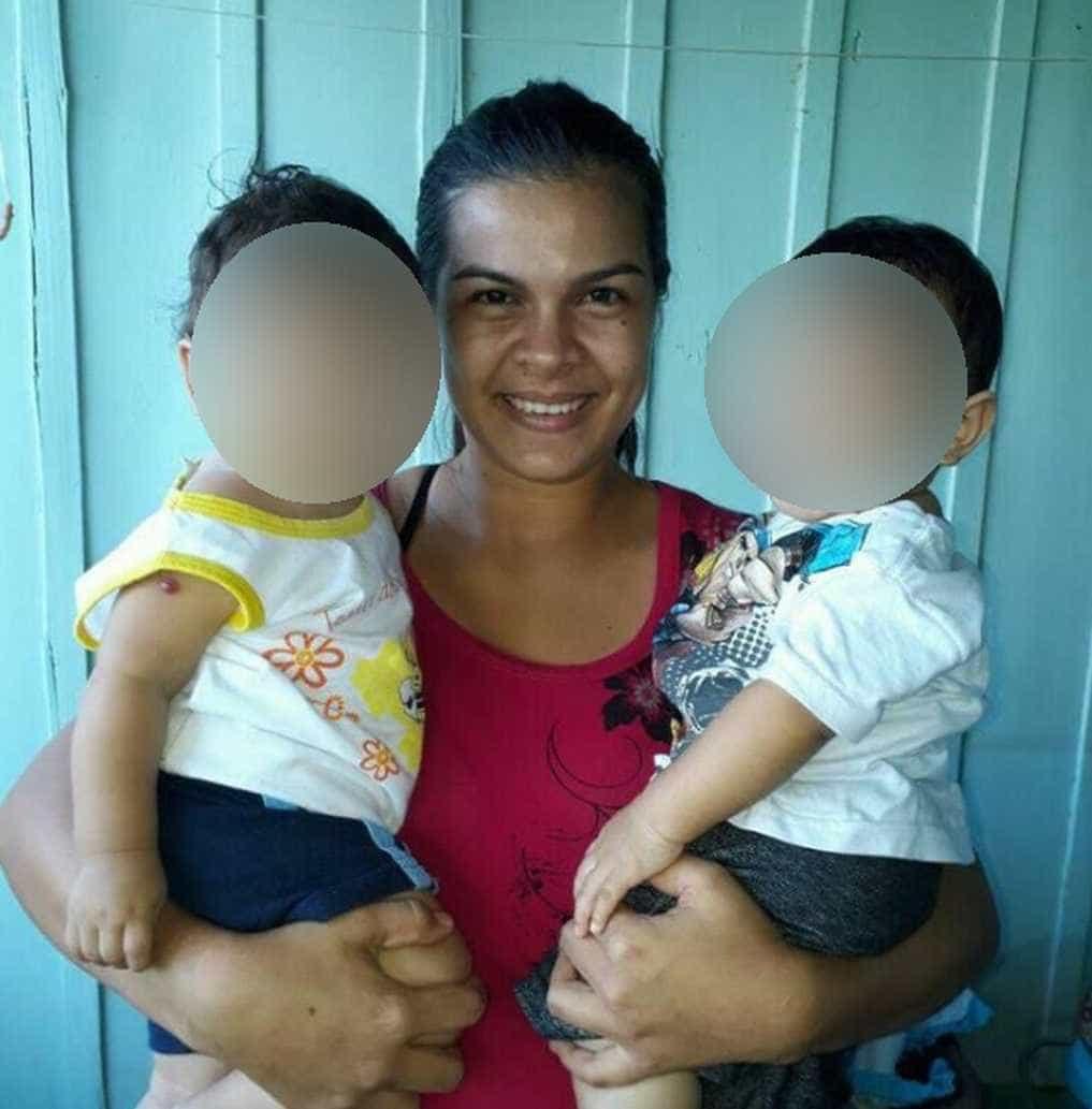 Mulher descobre por acaso que filho foi trocado na maternidade