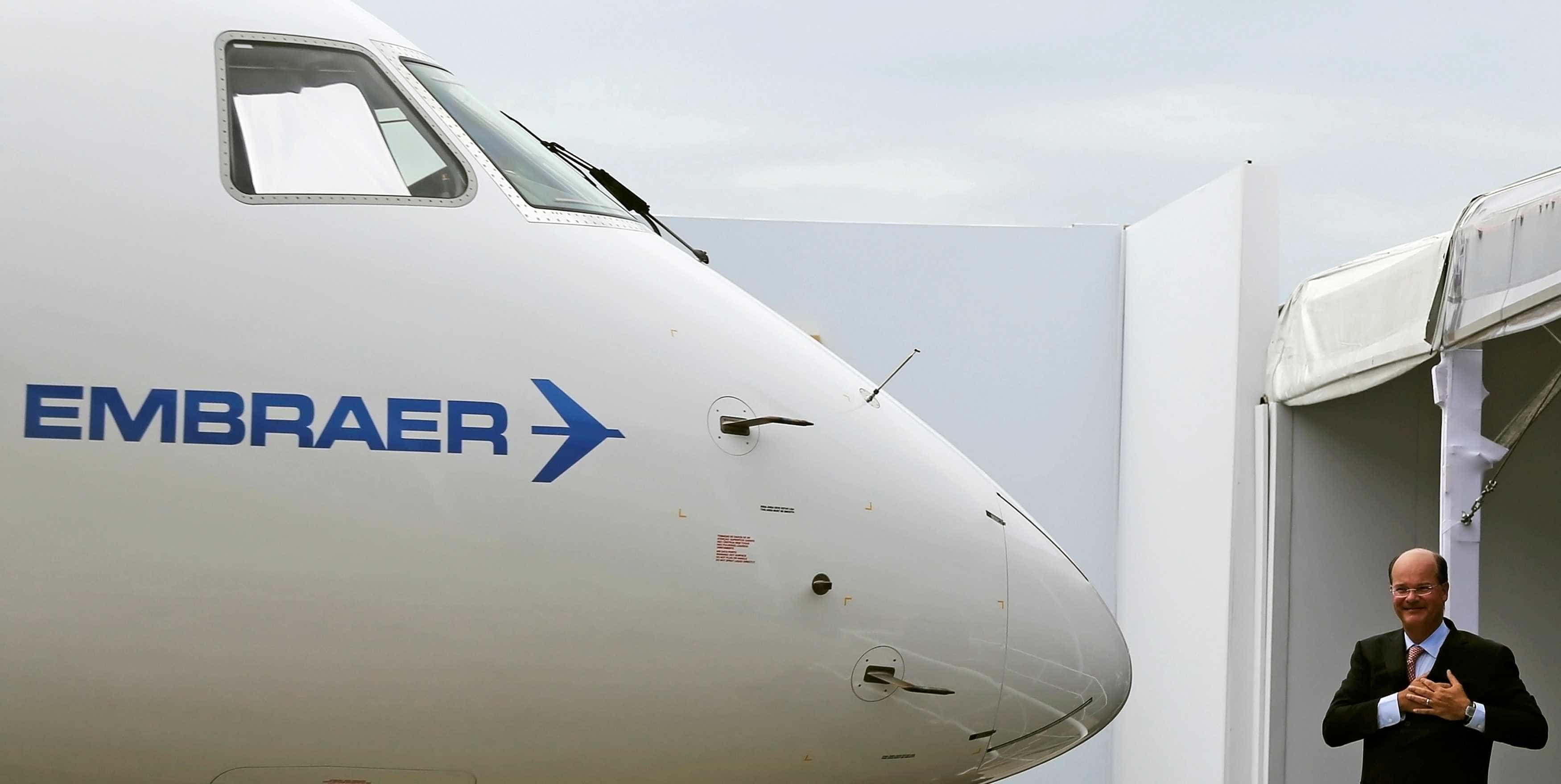 Ações da Embraer caem na Bovespa após anúncio com a Boeing
