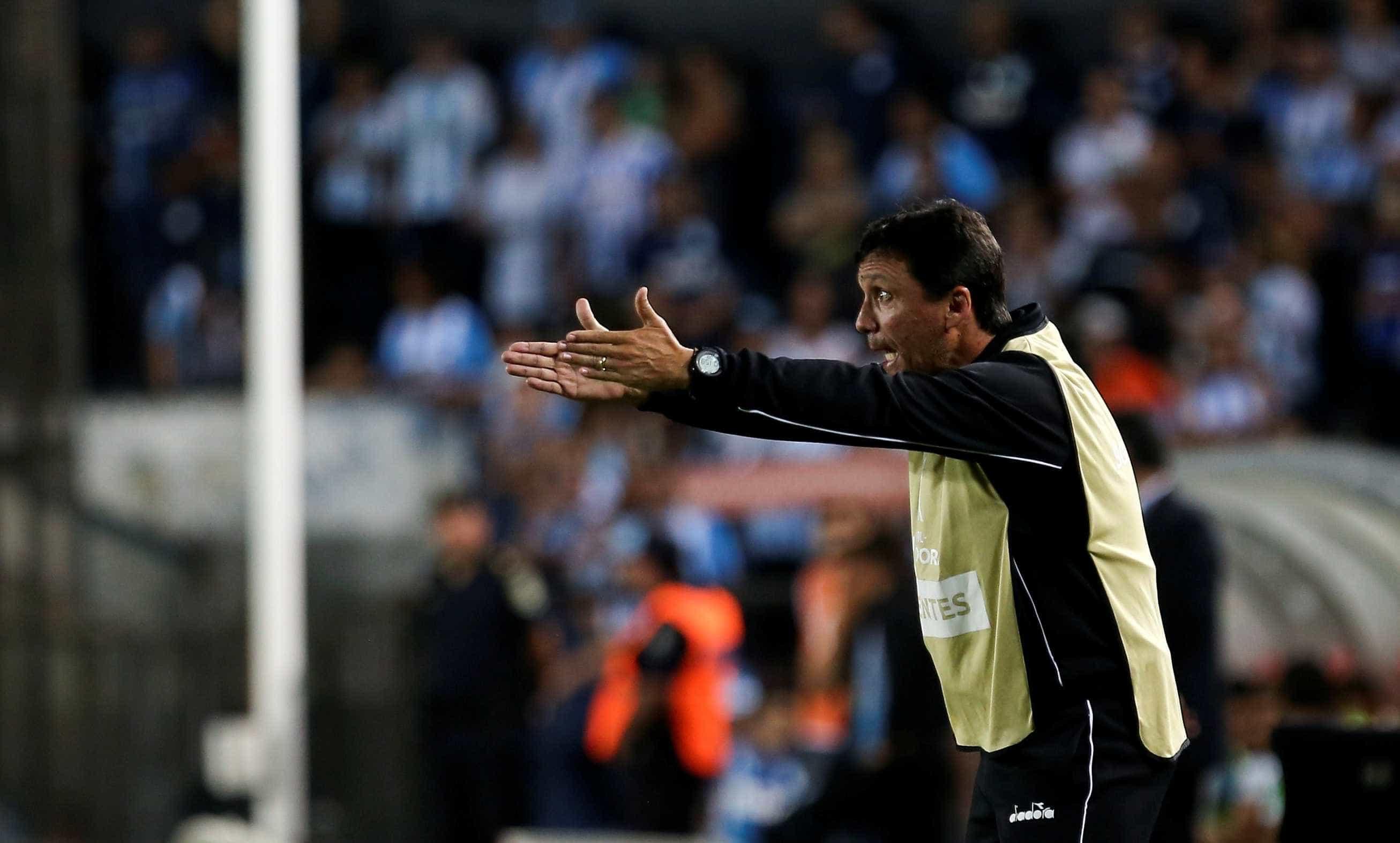 Zé Ricardo pede demissão no Vasco após derrota para o Botafogo