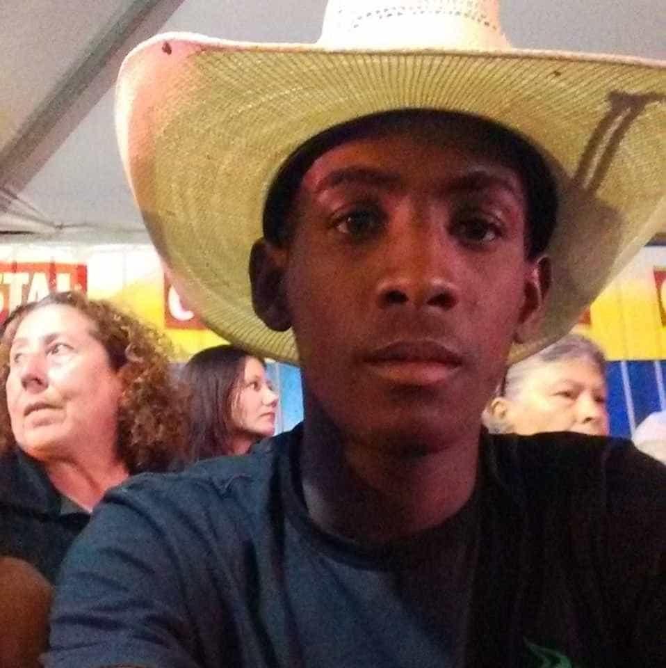 Peão de 21 anos morre após ser pisoteado por touro em Lindoia