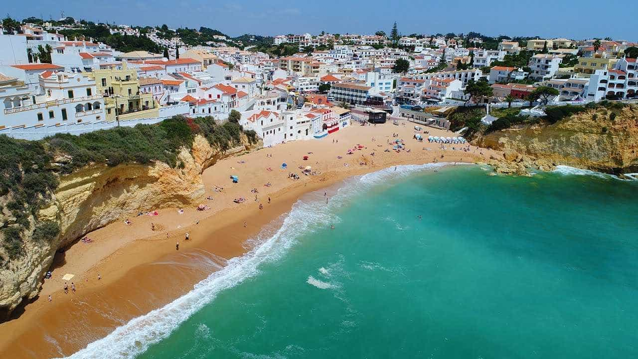 A melhor praia da Europa em 2018 está em Portugal; conheça