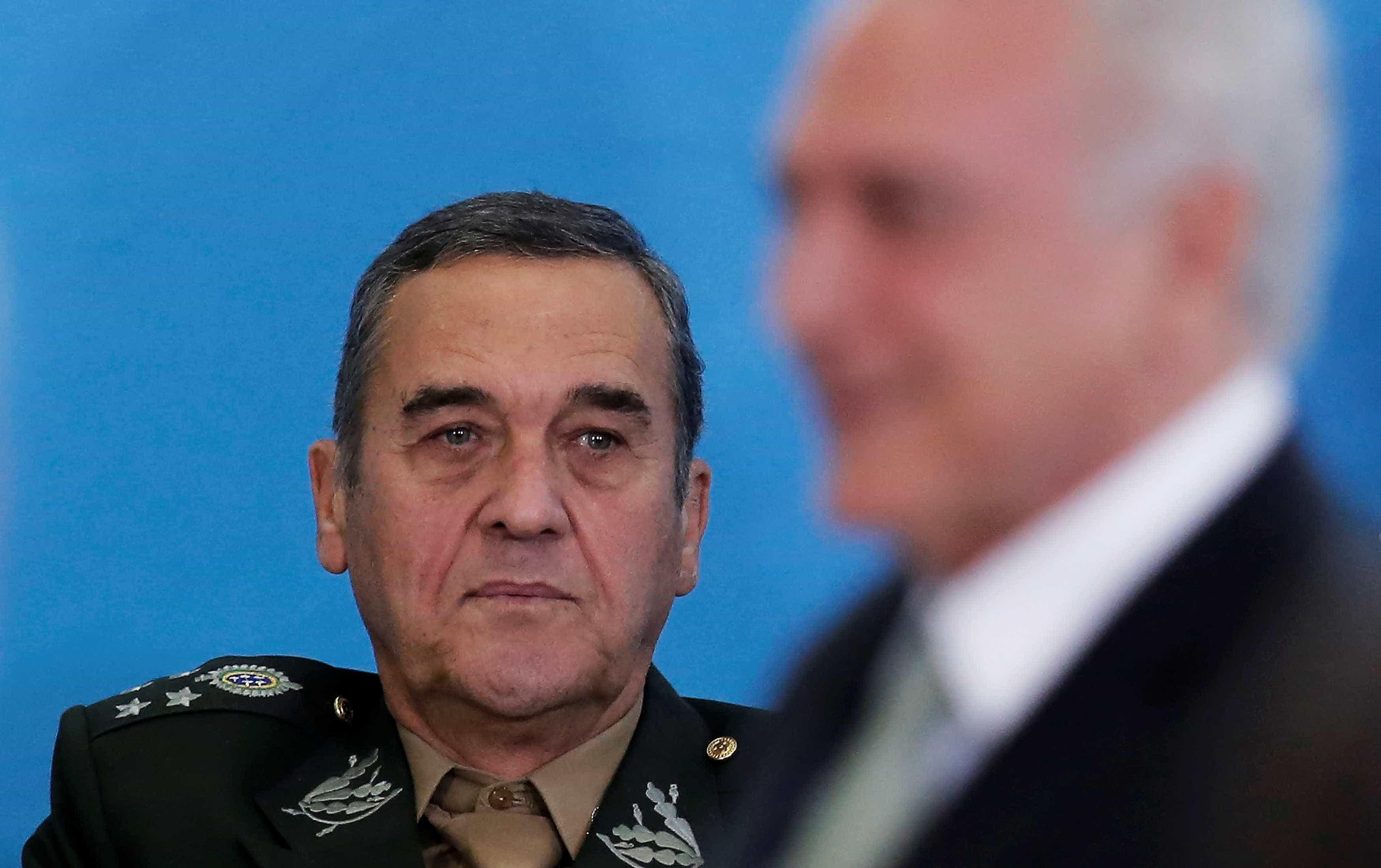 General Villas Bôas está internado em Brasília