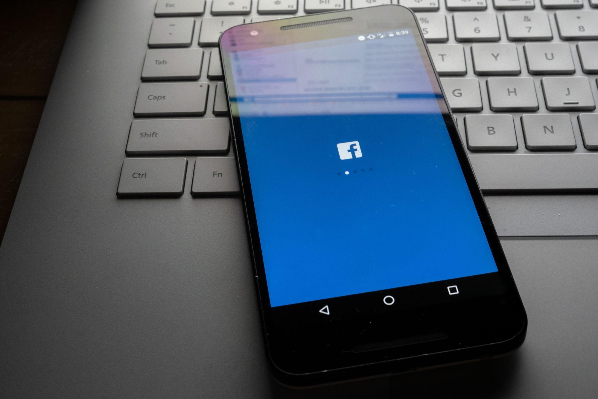 Contas de Facebook estão sendo vendidas na deep web