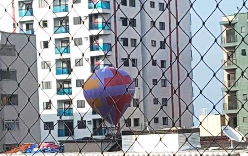 Balão cai em prédio e moradores evitam incêndio em SP