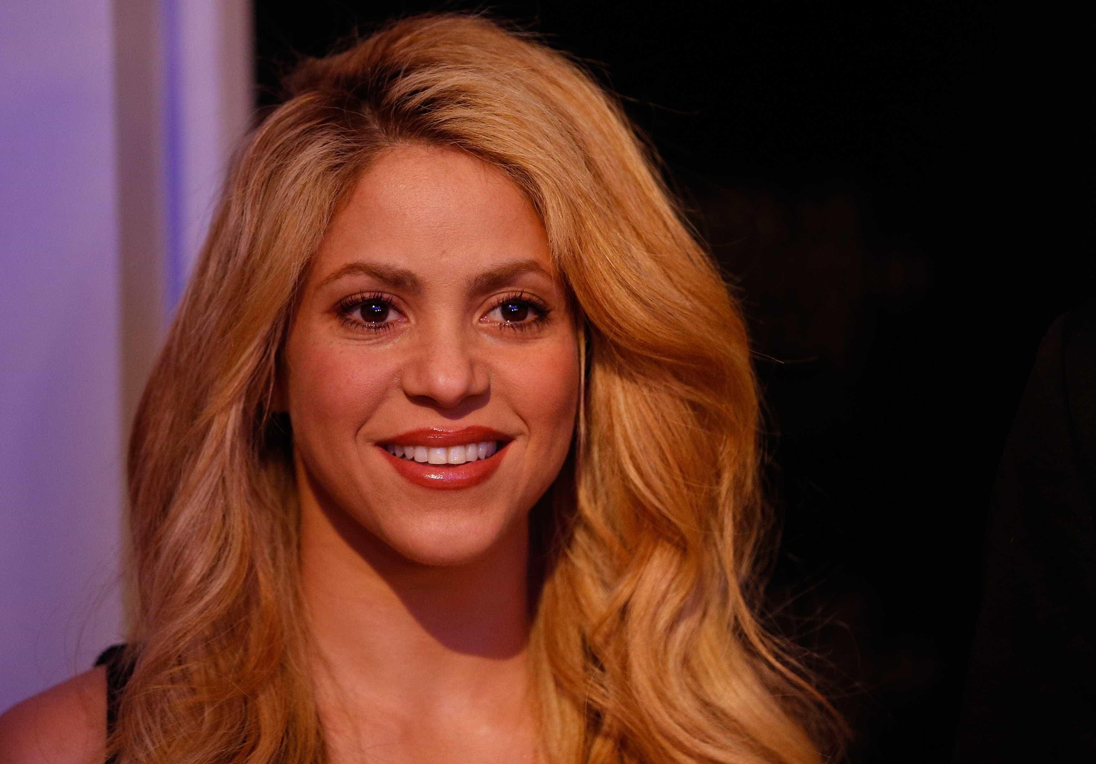 Shakira anuncia dois shows no Brasil