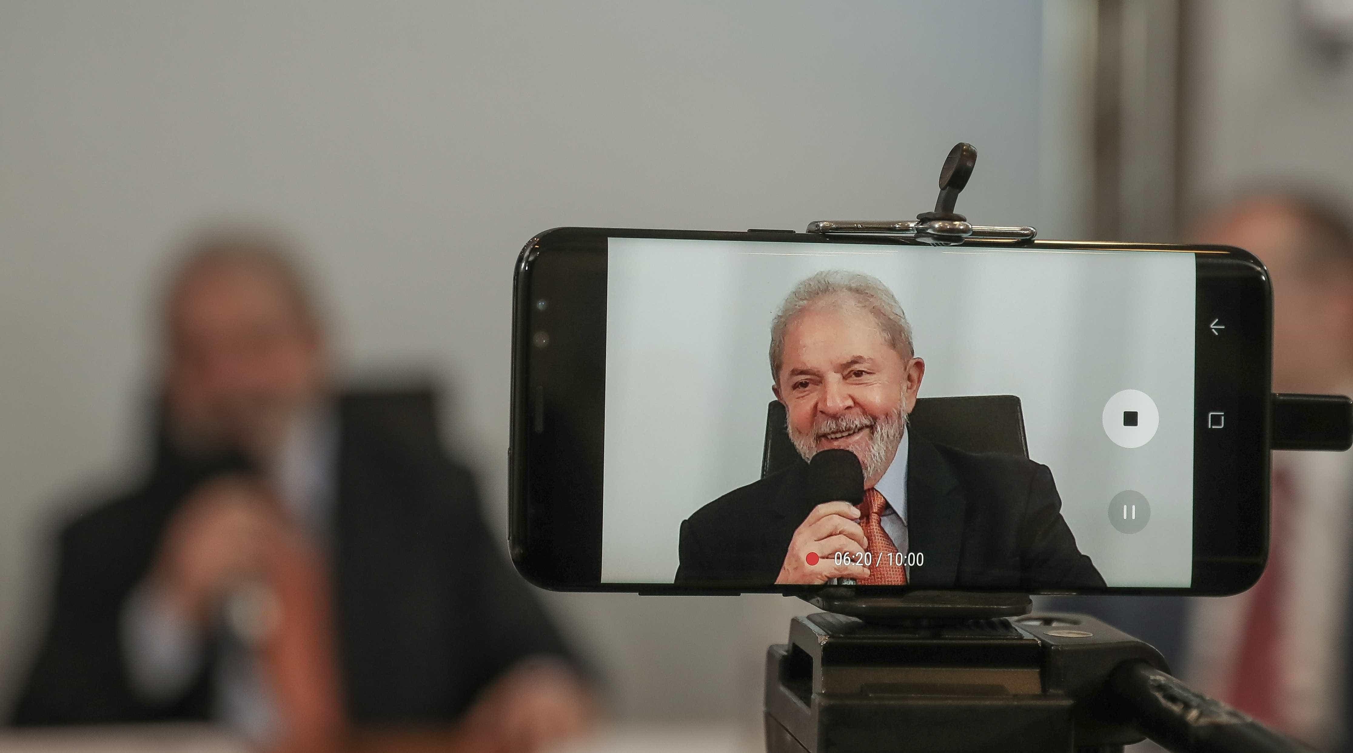 Adversários ironizam comparação de Lula com traficante