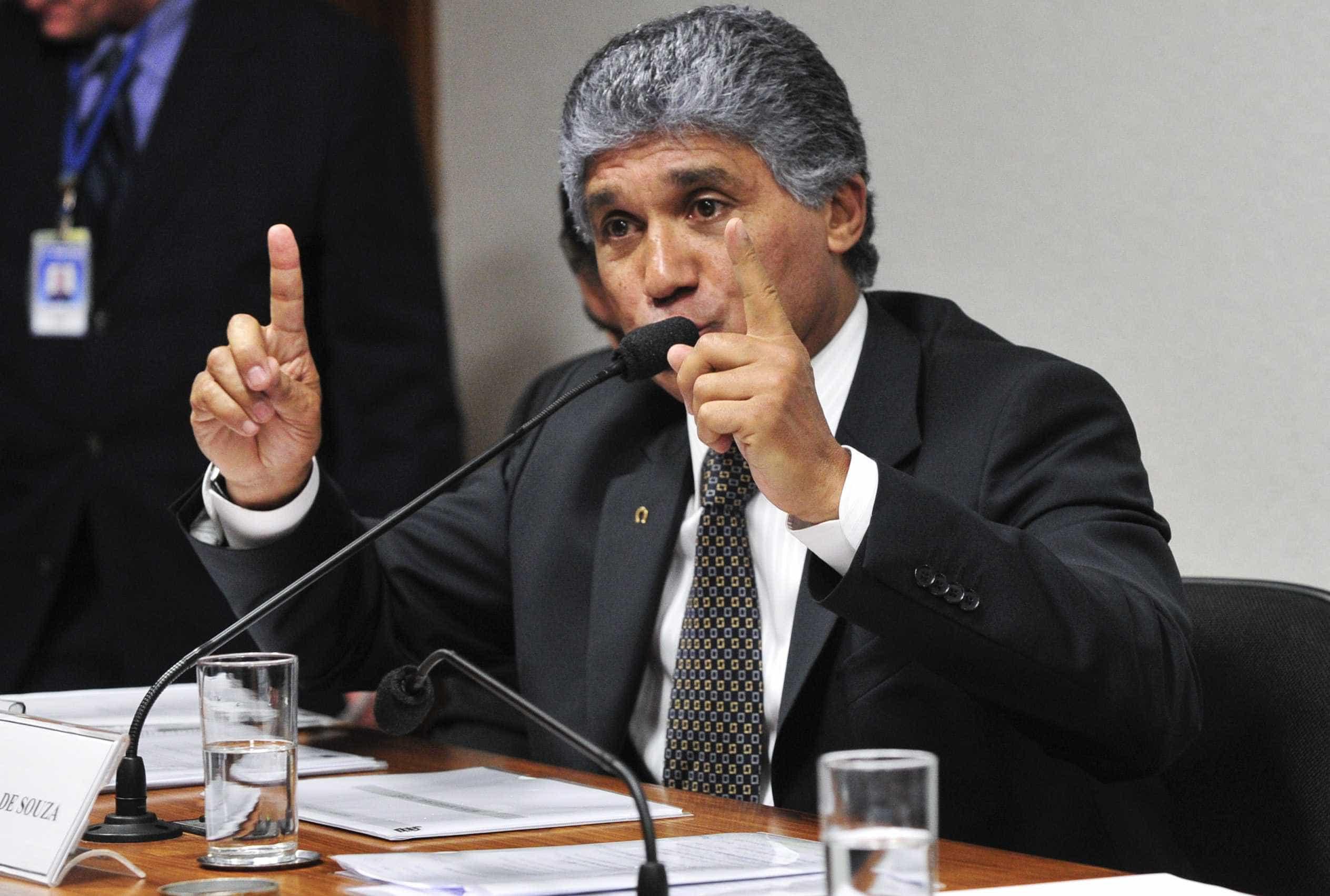 PF achou R$ 216 mil em dinheiro com operador do PSDB