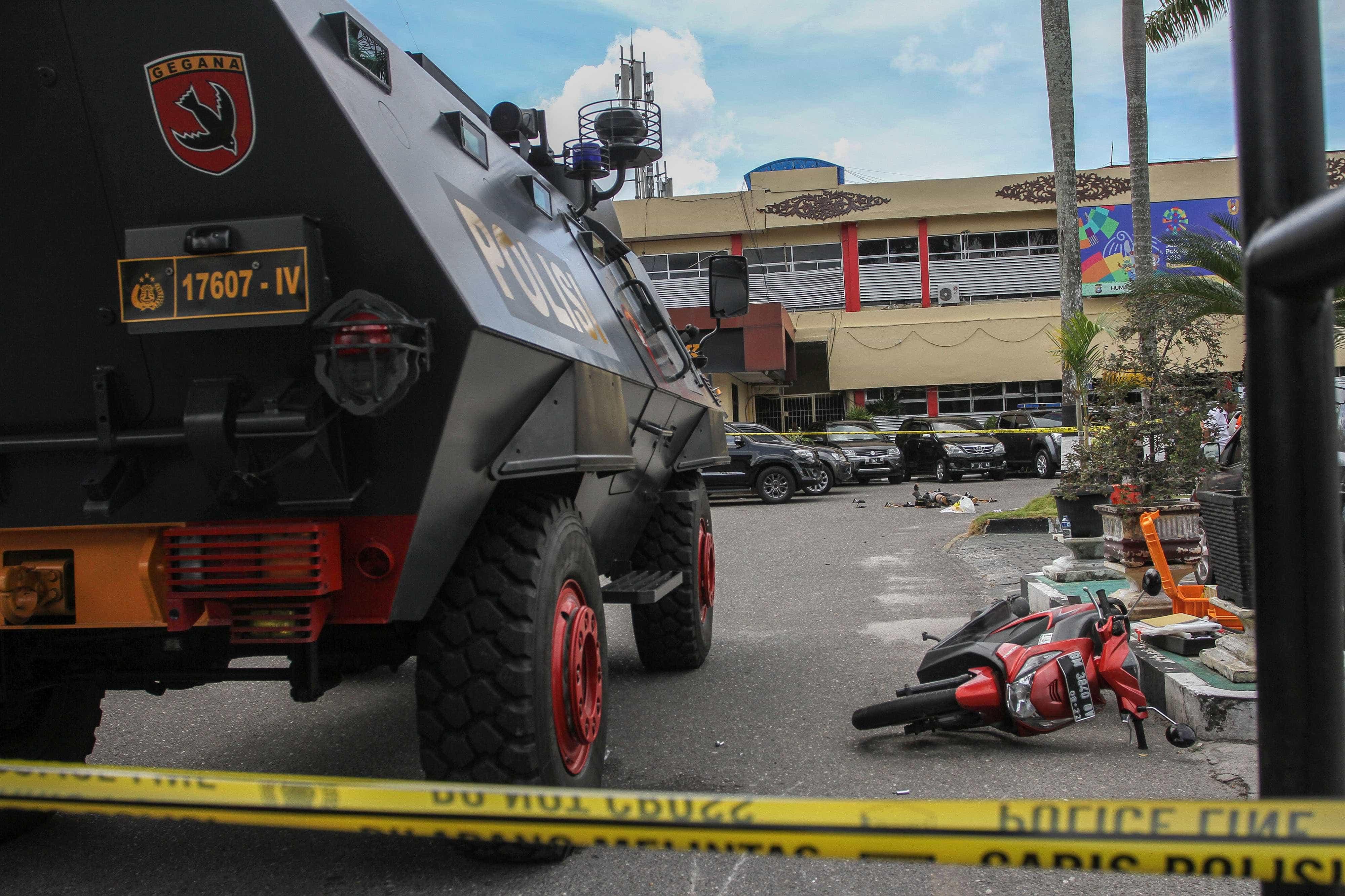 Novo atentado deixa um policial morto e três feridos na Indonésia
