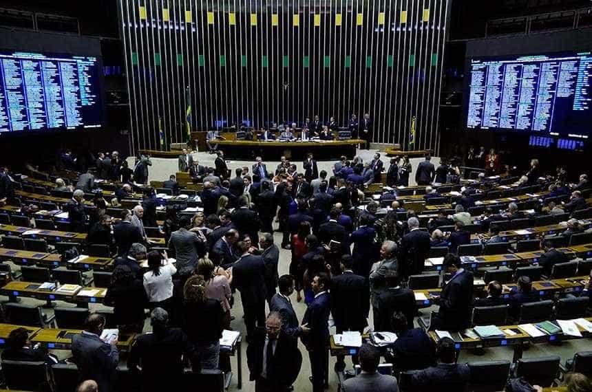 Reforma tributária com unificação de impostos avança na Câmara