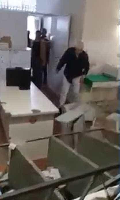 Médico tem ataque de fúria e destrói posto de saúde no ES