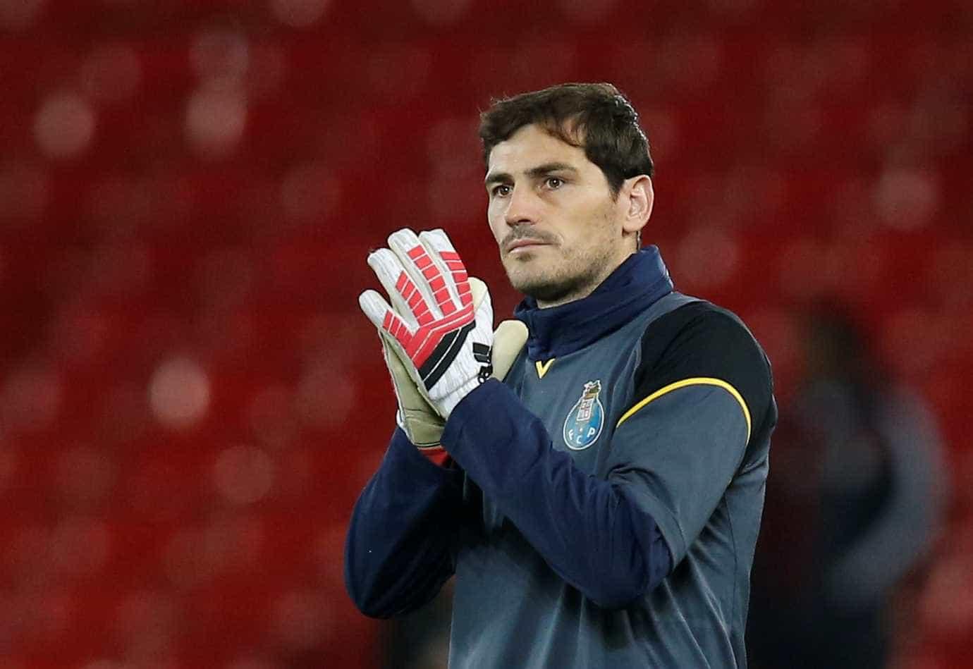 Aos 36 anos, Iker Casillas renova contrato com o Porto