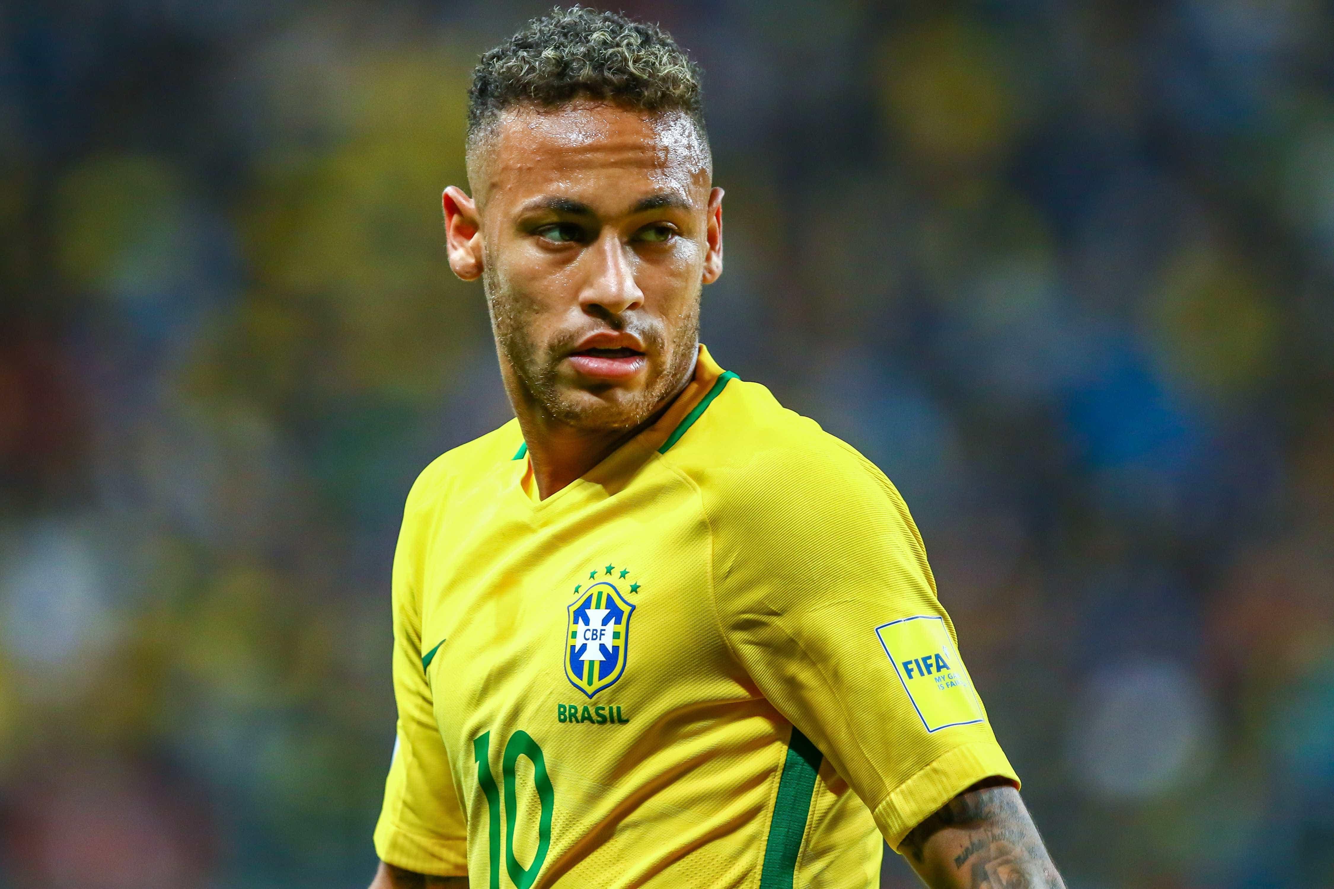 Seleção trabalha para Neymar chegar à Copa 'como Ronaldo em 2002'