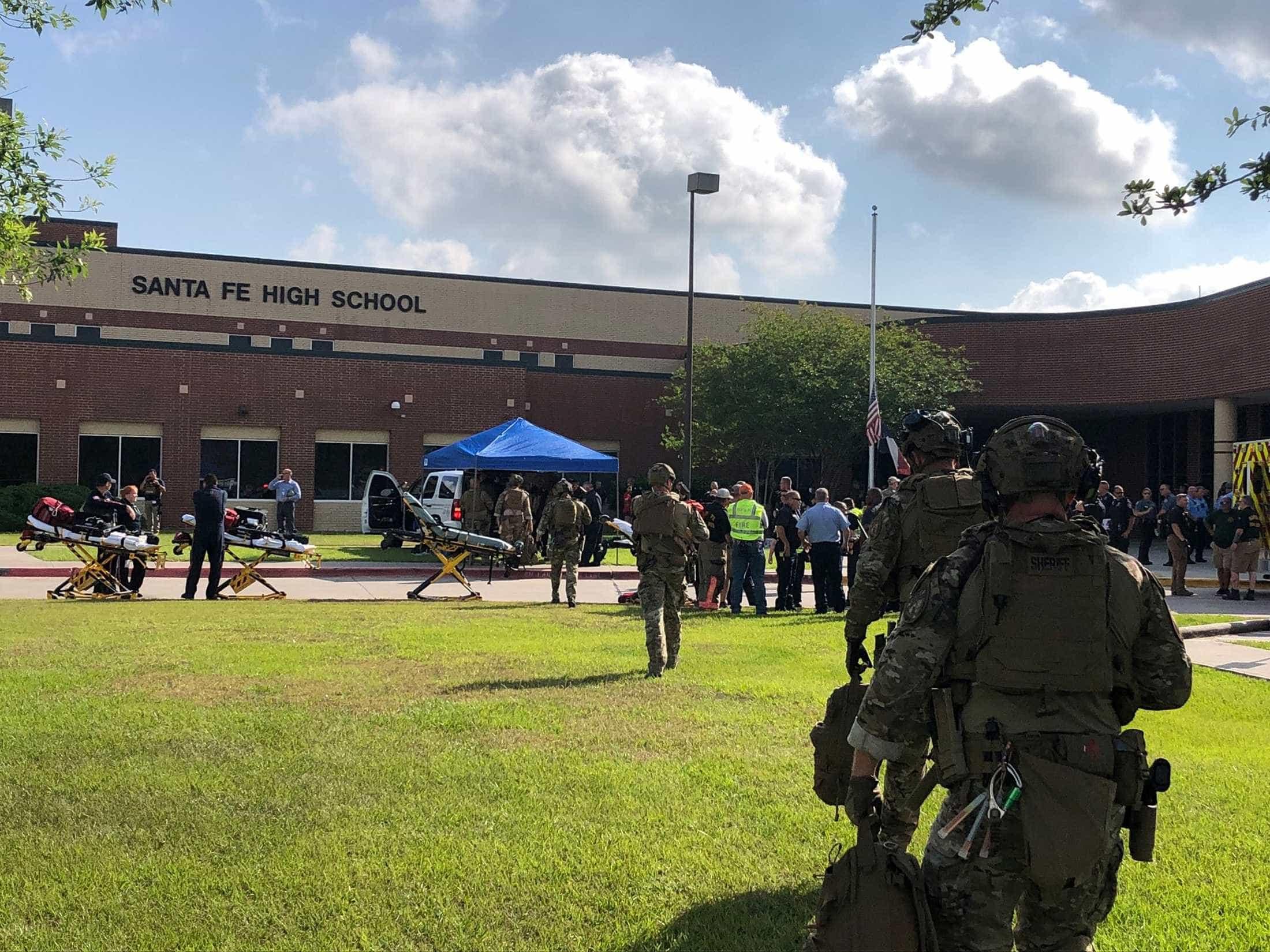 Tiroteio em escola no Texas deixa ao menos oito mortos
