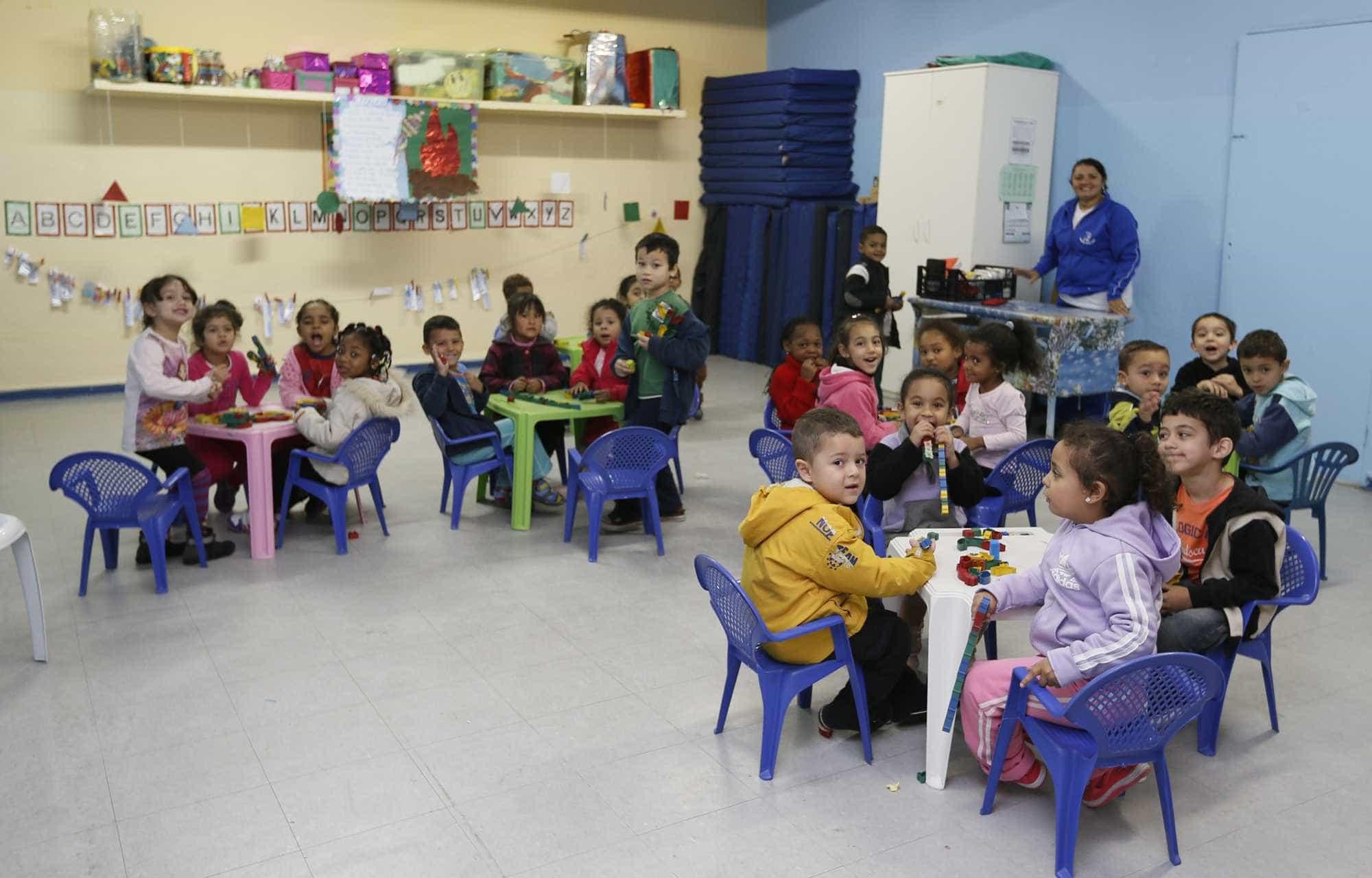 1/3 das crianças mais pobres está fora da creche por falta de vagas