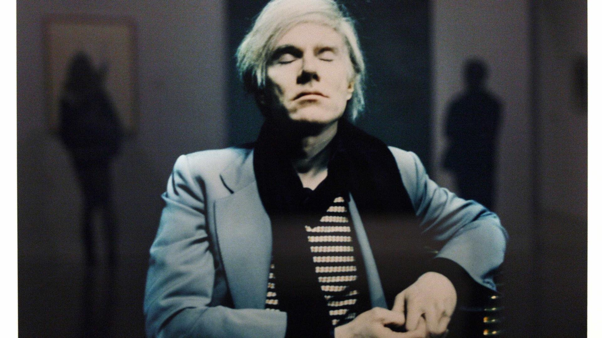 Revista Interview, fundada por Andy Warhol, fecha após 50 anos 3e93cd4bdd