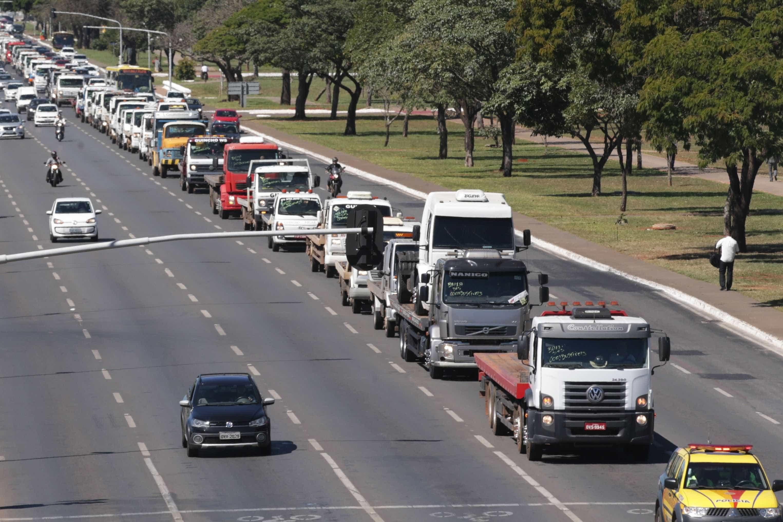 Greve de caminhoneiros pode afetar transporte público no Rio
