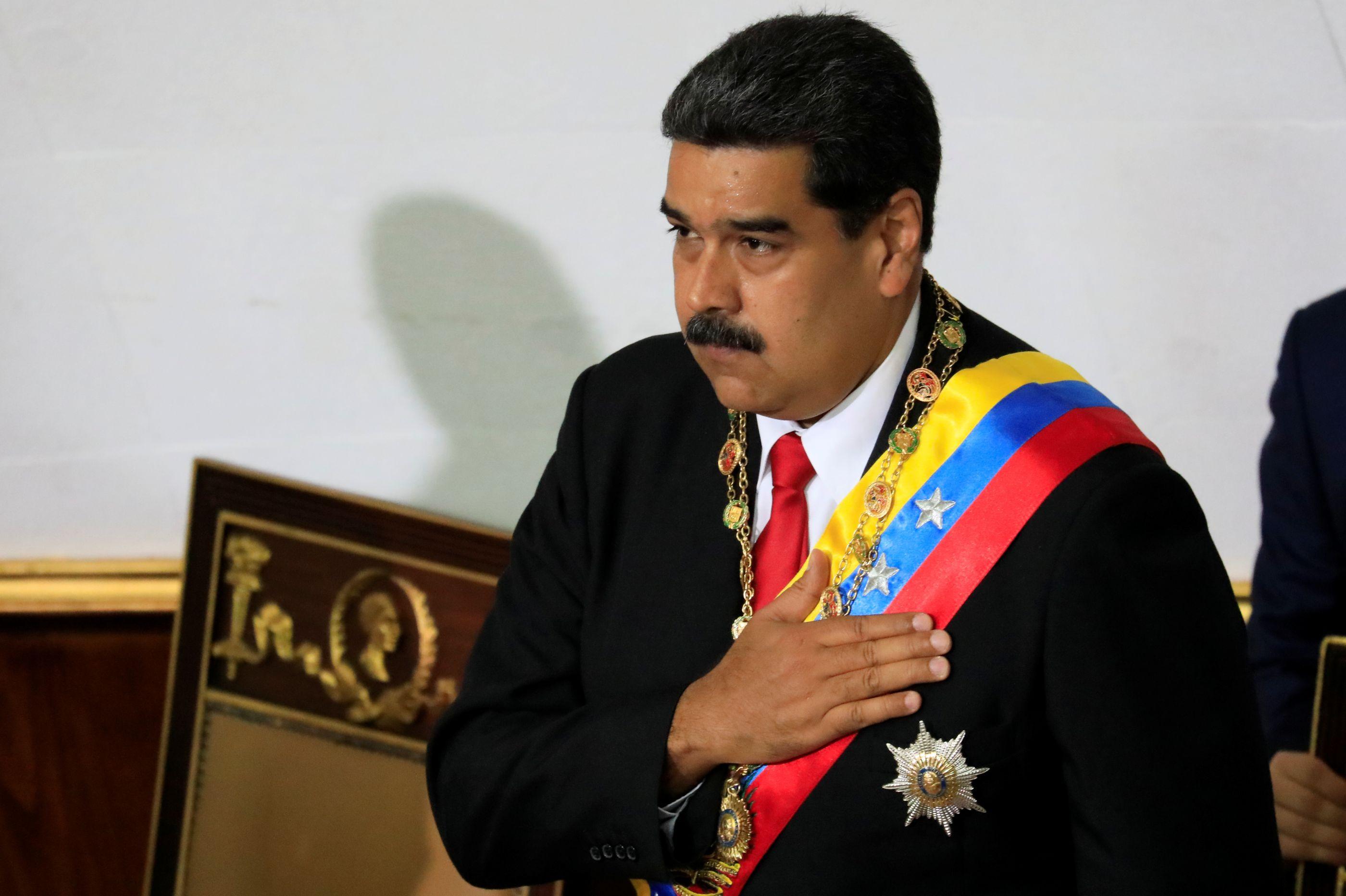 Colapso econômico vai se agravar após reeleição de Maduro