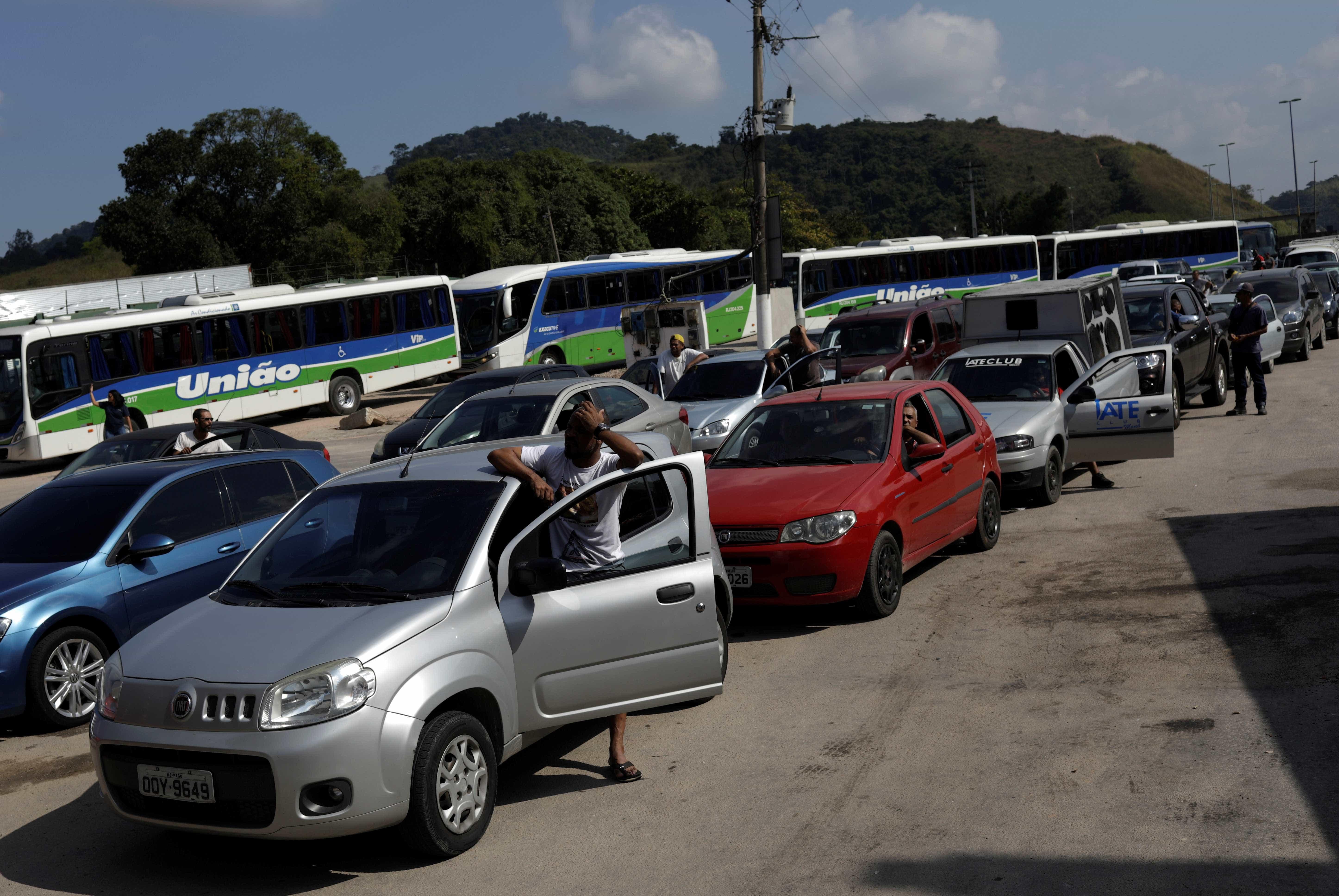 Anistia Internacional condena uso de força contra caminhoneiros