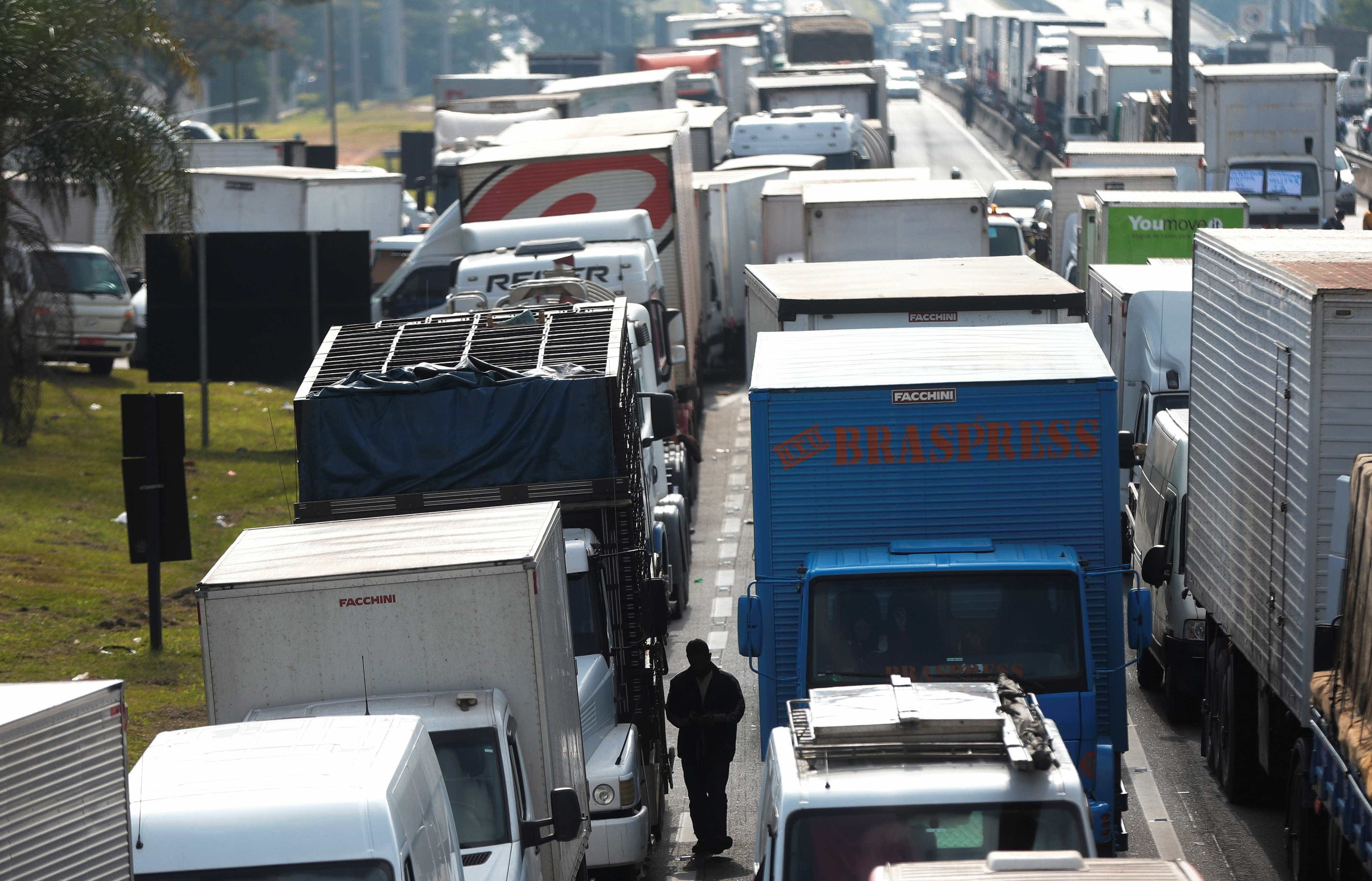 Greve de caminhoneiros deve impactar PIB, diz IBGE