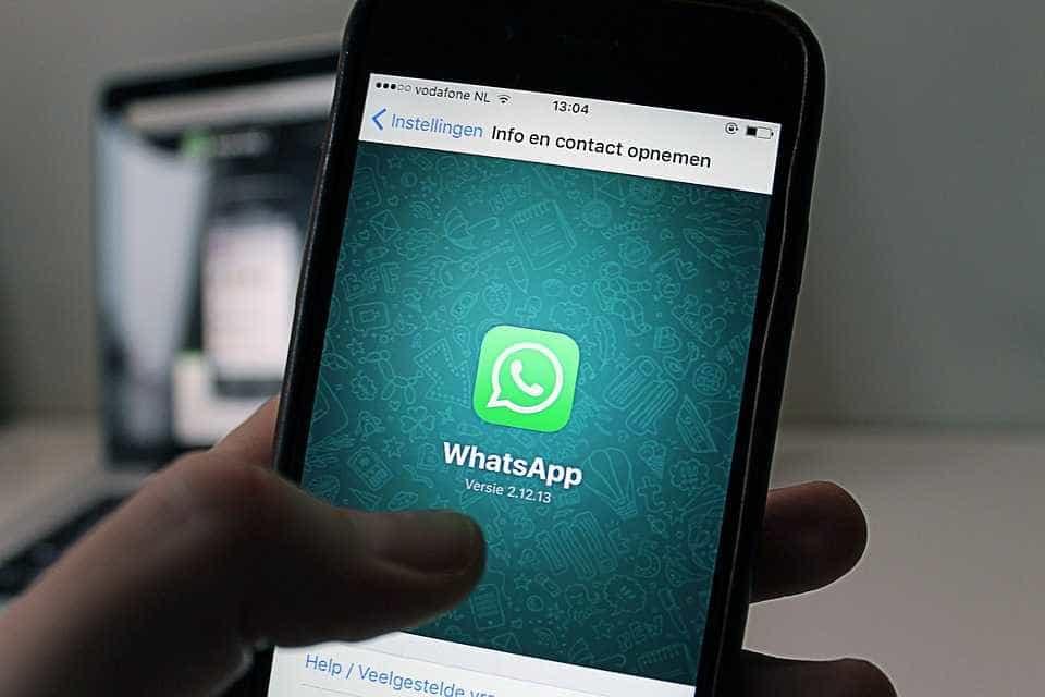 Novo golpe no WhatsApp promete passagens aéreas gratuitas