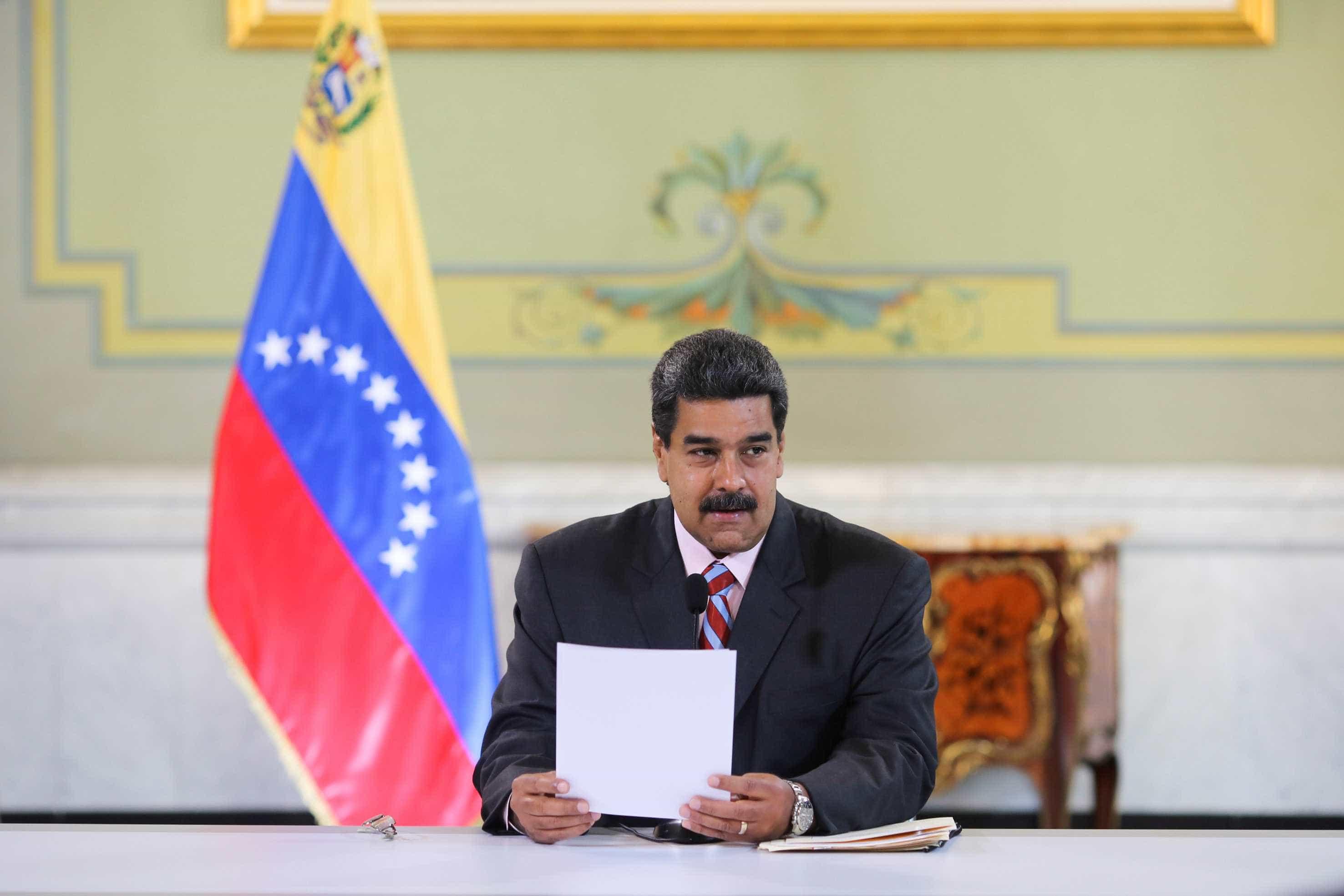 Criação de governo de transição na Venezuela ganha apoio no exterior