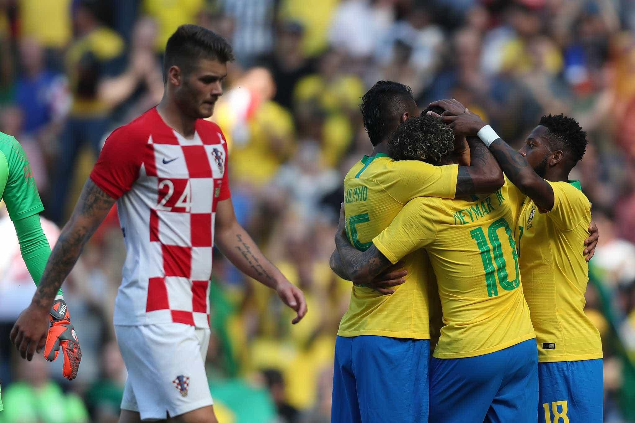 Veja as melhores imagens do retorno de Neymar e da vitória do Brasil