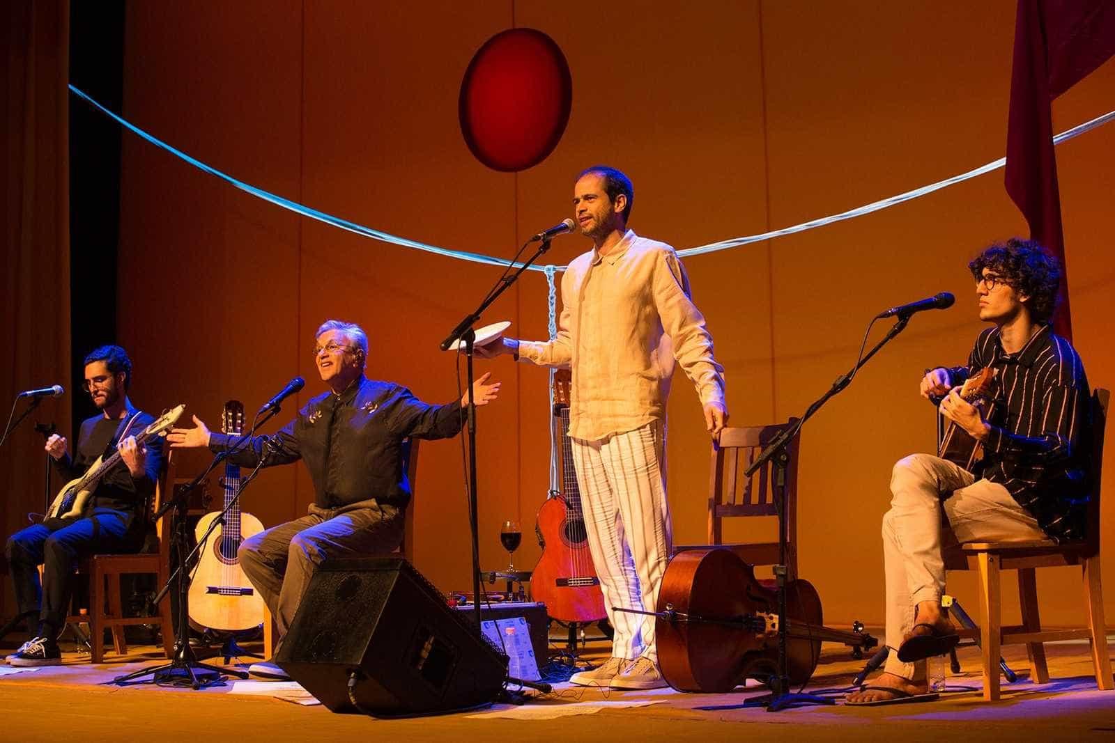 Caetano Veloso se apresentará na Calábria pela 1ª vez