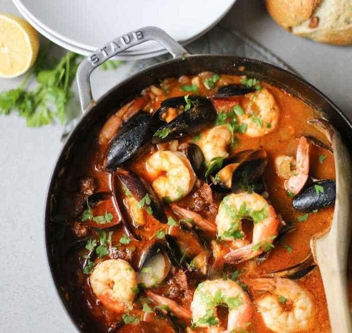 Faça uma caldeirada de frutos do mar