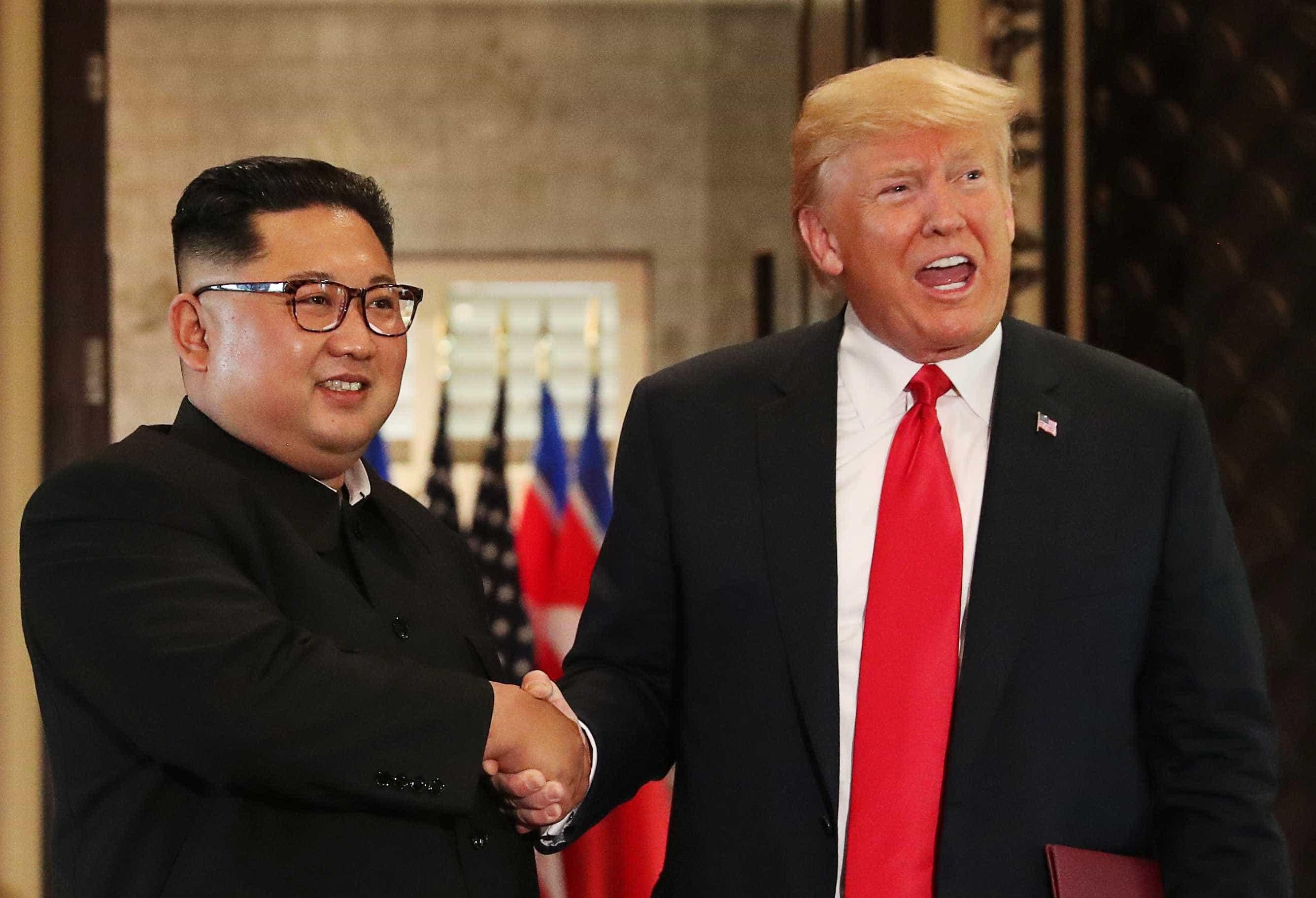 Trump sobre cartas de Kim: 'Nos apaixonamos, OK?'