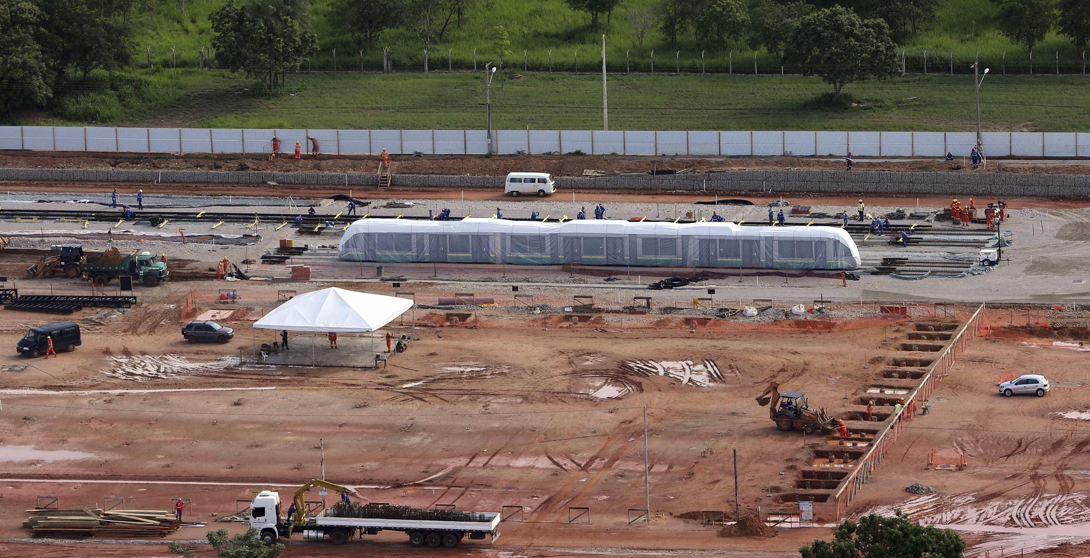 Obras para a Copa de 2014 seguem inacabadas em oito capitais do país