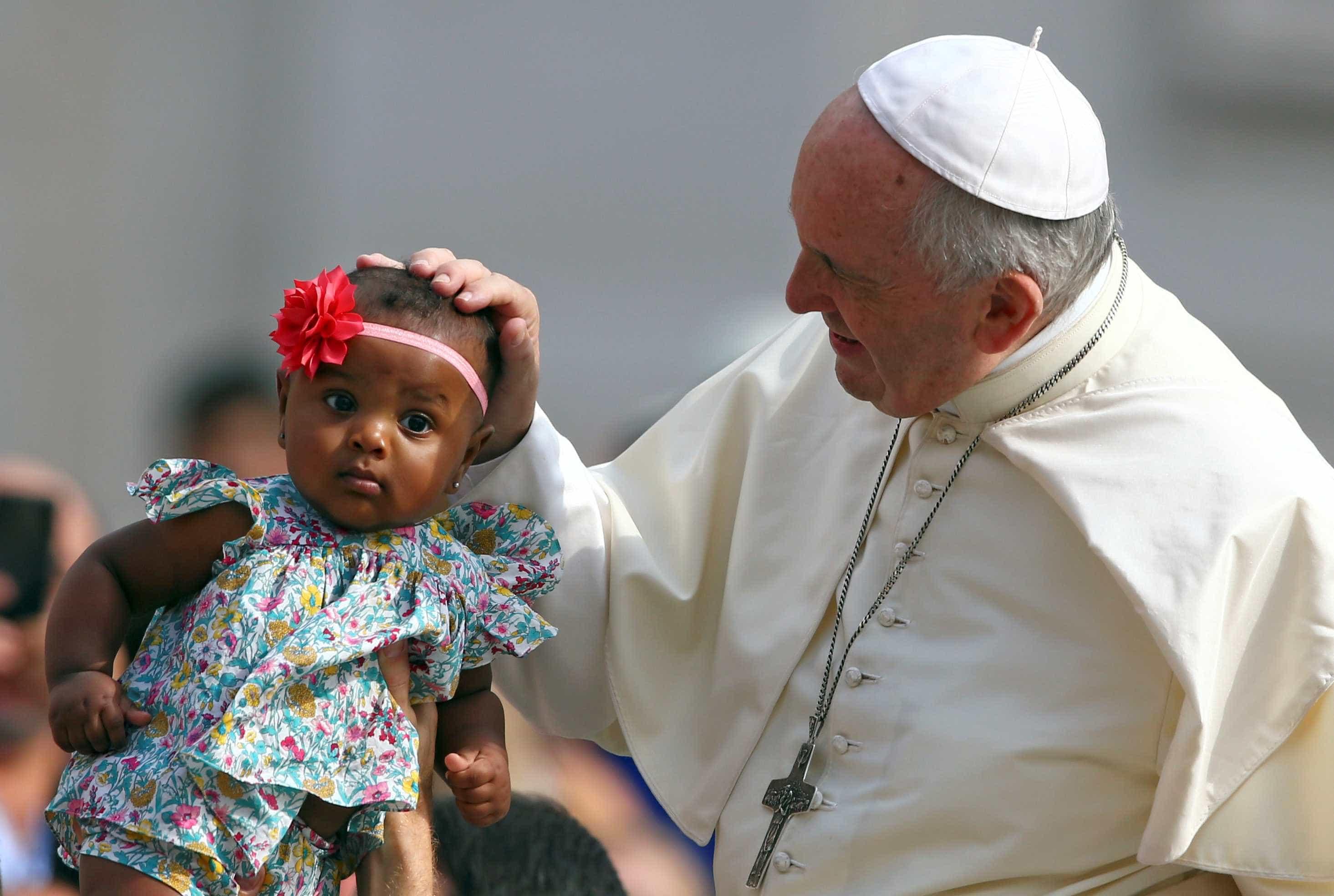 Papa pede que imigrantes parem de ser considerados 'ameaça'