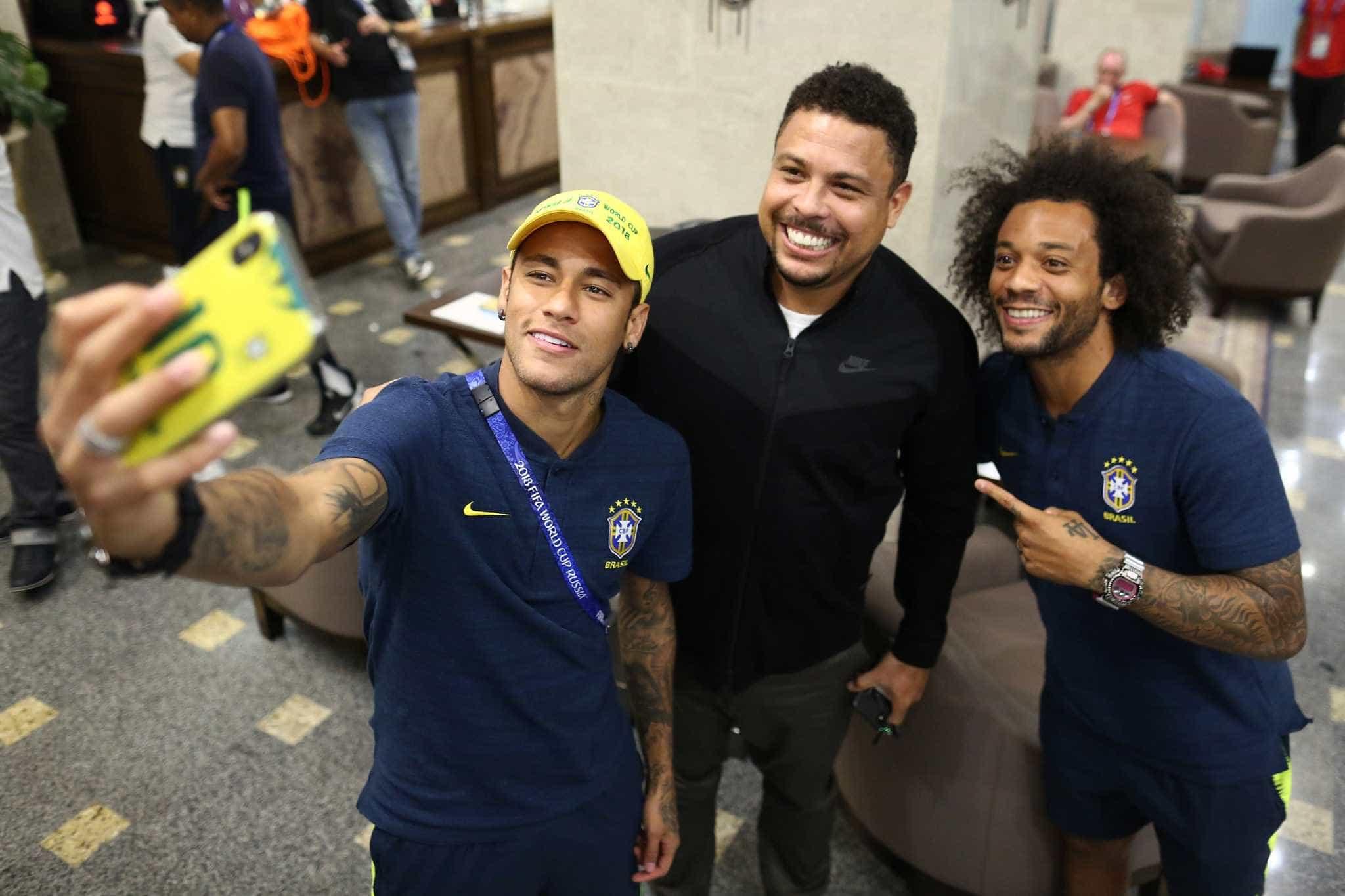 Ronaldo defende Neymar, mas diz que ele precisa tirar lições da Copa