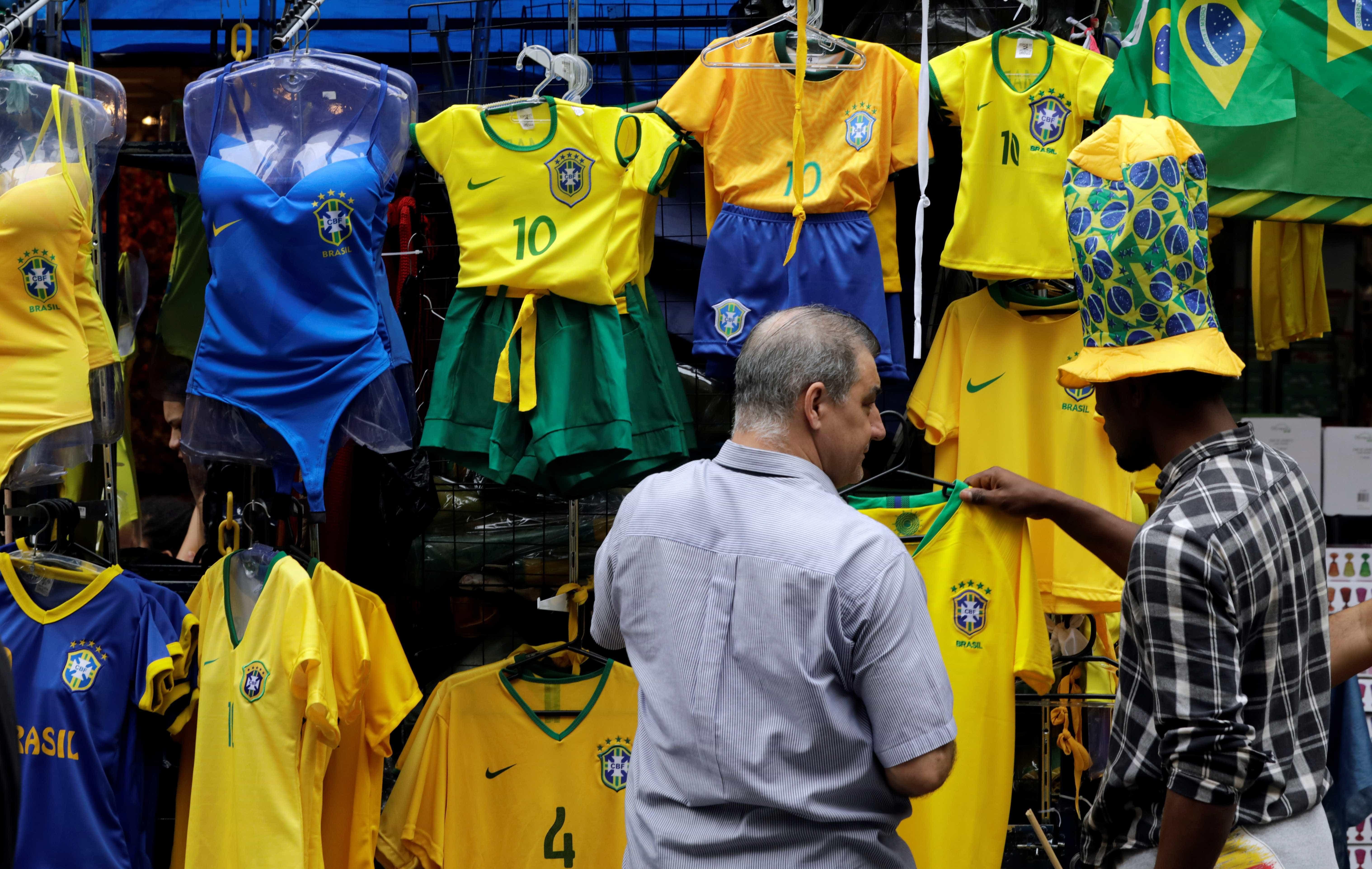 Camisa amarela da seleção é rejeitada por parte dos brasileiros