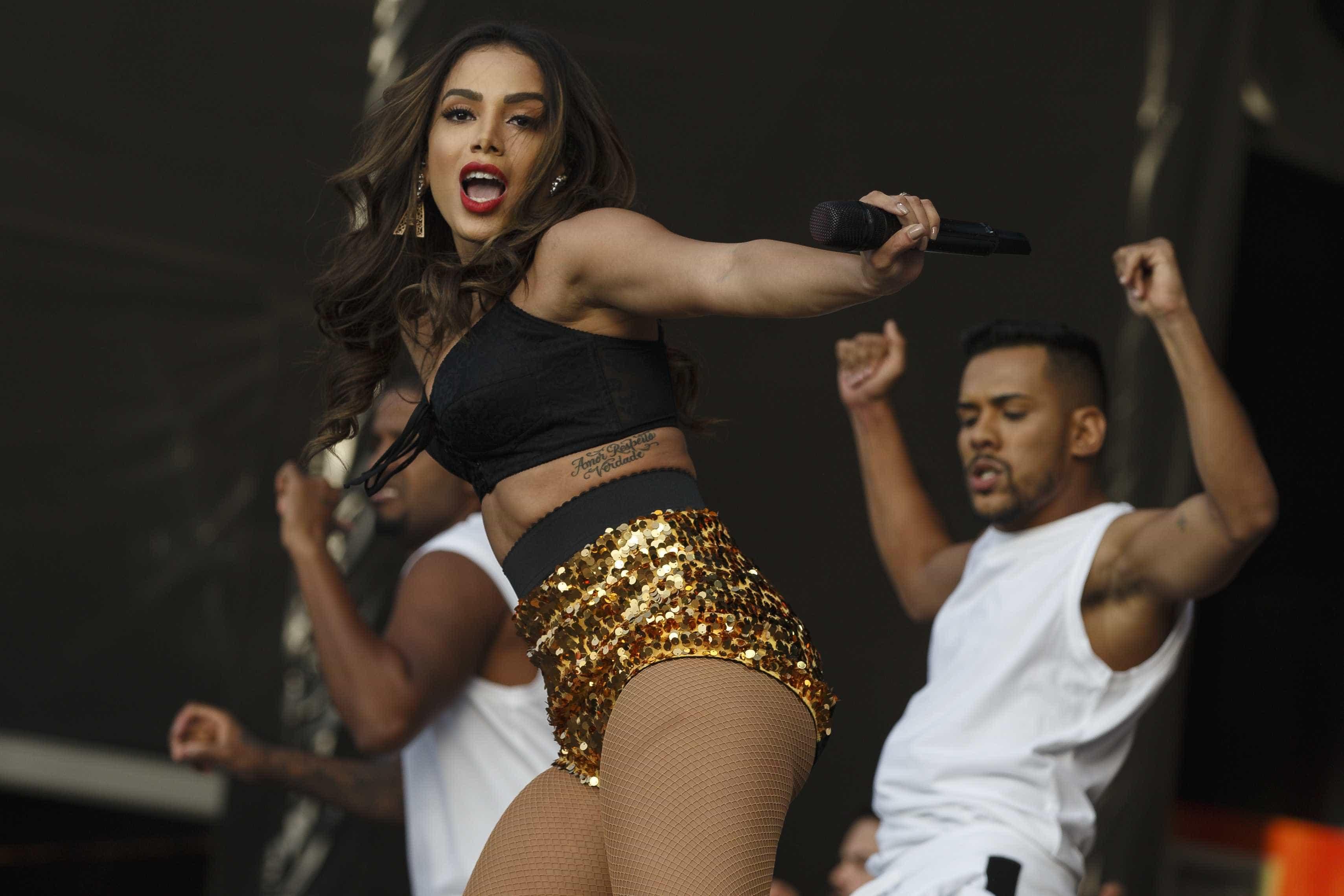 Anitta rebate quem criticou série sobre sua vida: 'É só não assistir'
