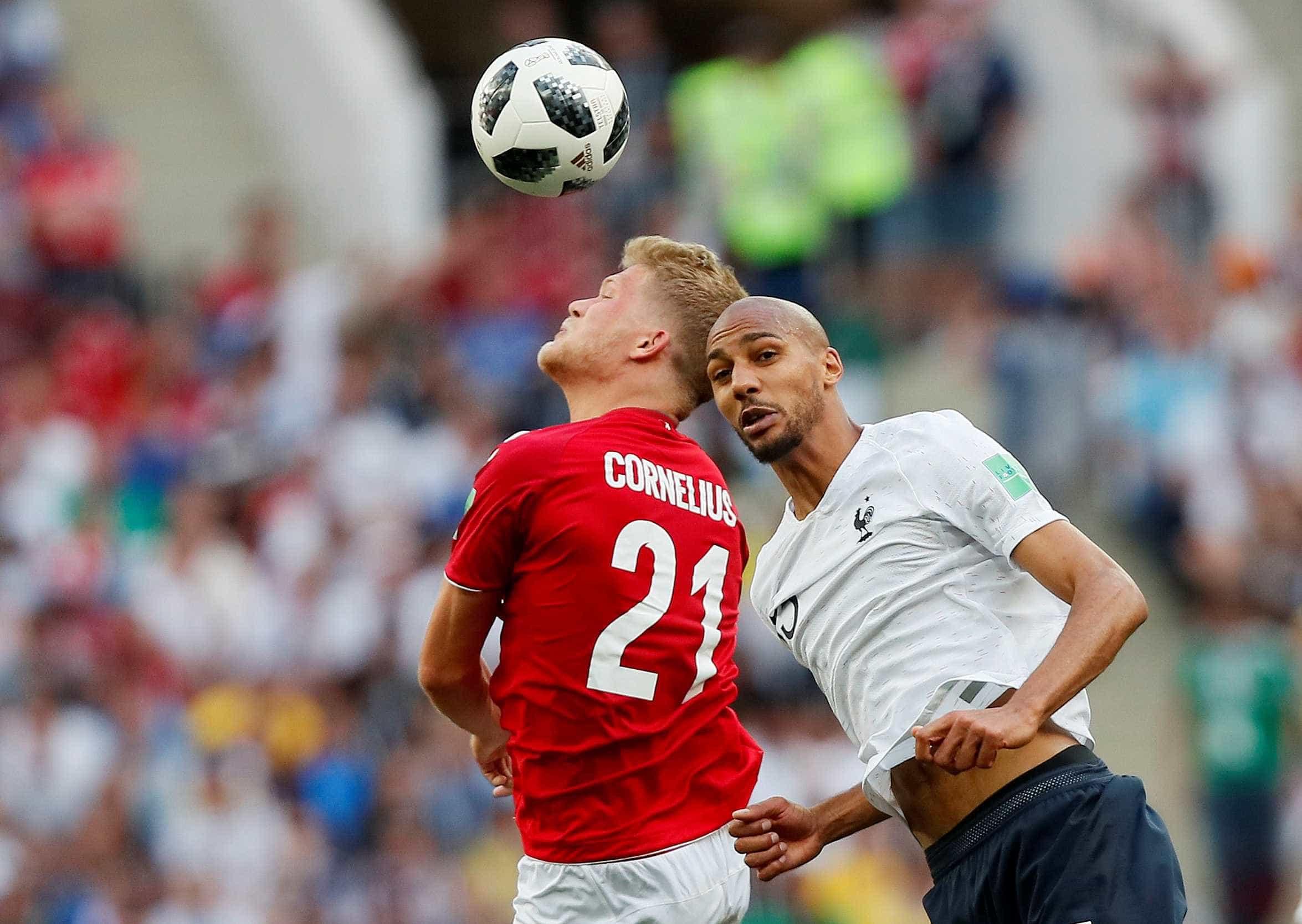 Em 'jogo de comadres', França e Dinamarca empatam e se classificam