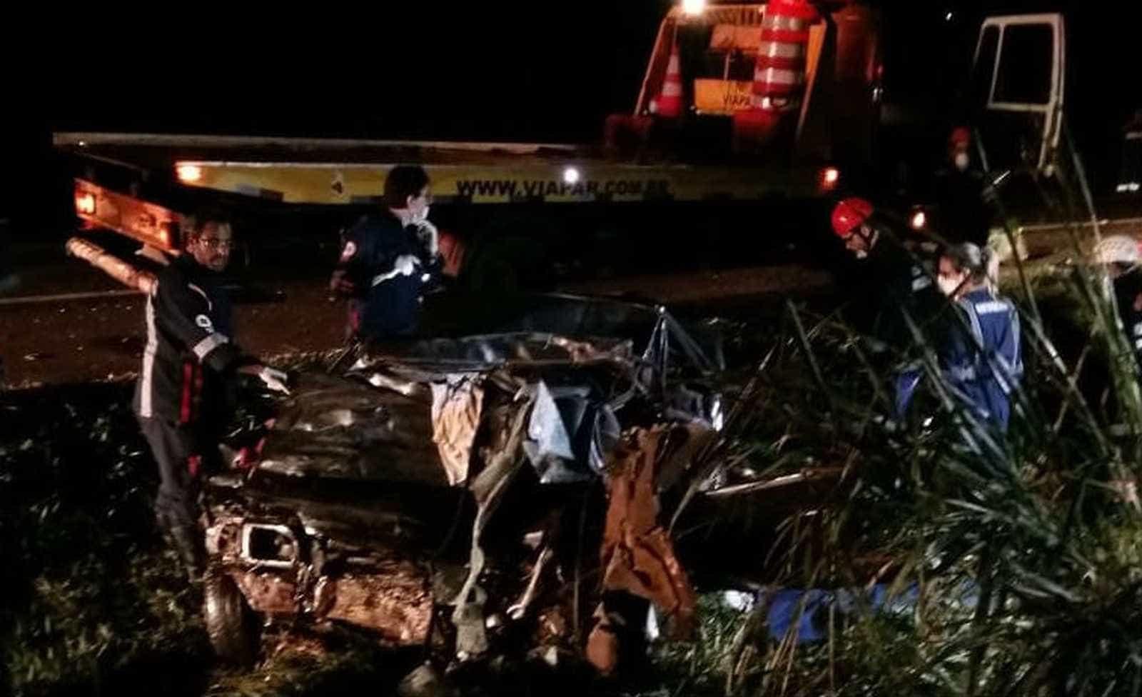 Batida mata 5 da mesma família em suposto racha no PR