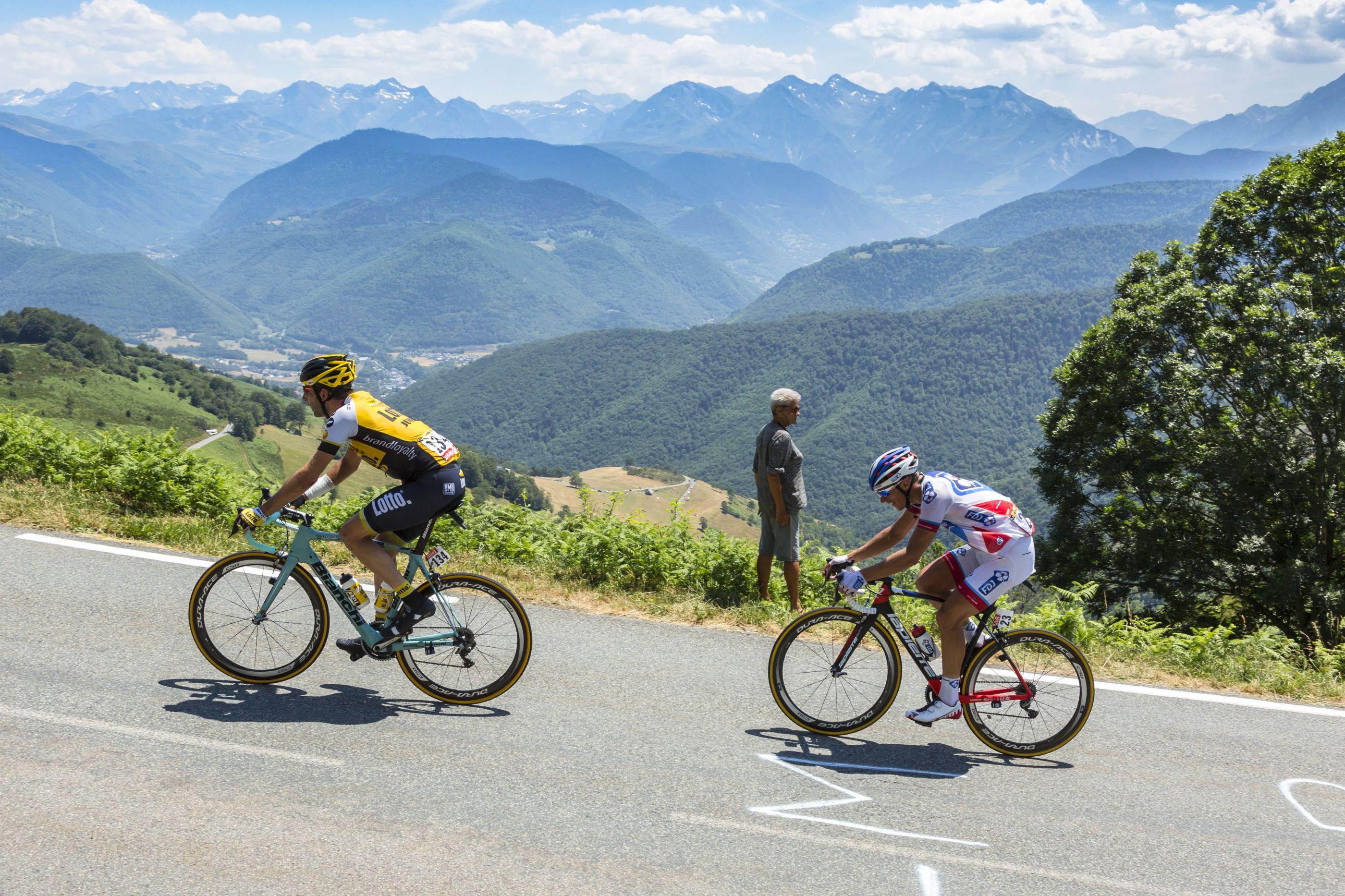 Volta da França: conheça os belos locais por onde os ciclistas passam