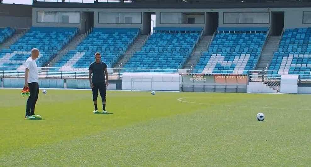 Zidane desafia Beckham em novo comercial da Adidas; assista!
