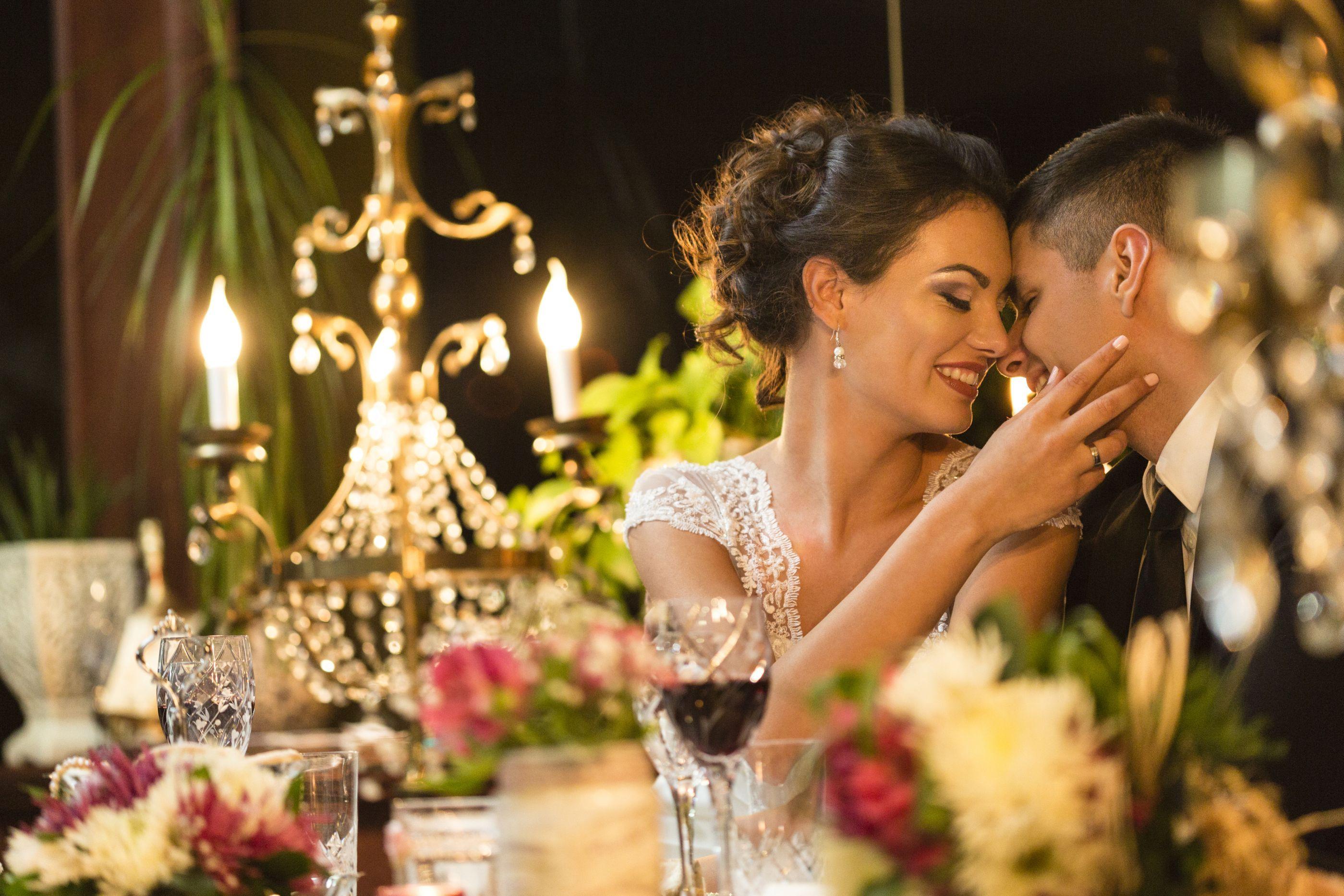 Quanto mais gasto no casamento maior é o risco de divórcio, diz estudo