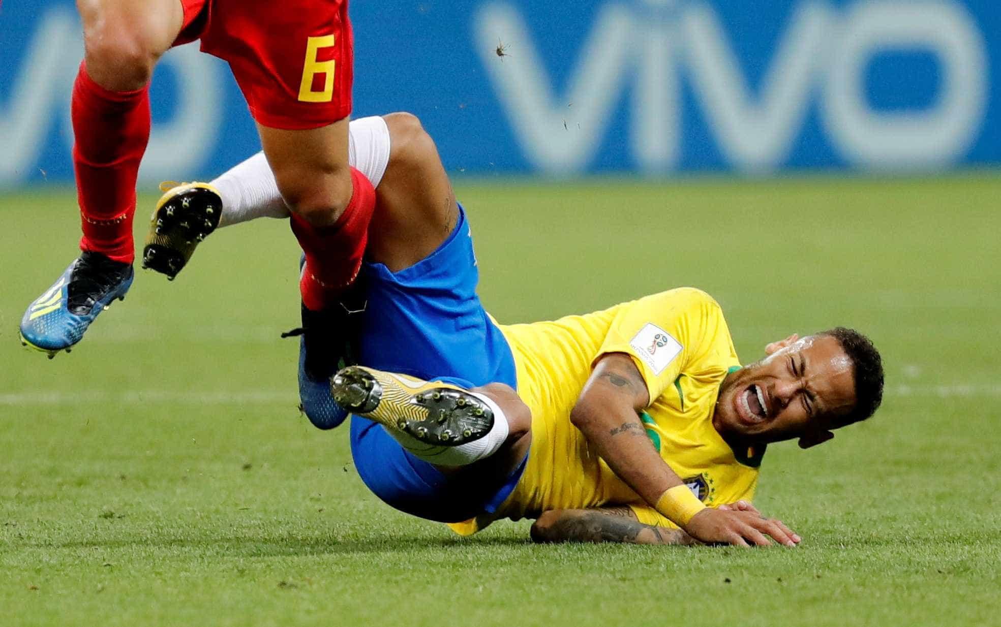 'Desafio do Neymar' viraliza na web e atacante vira chacota mundial