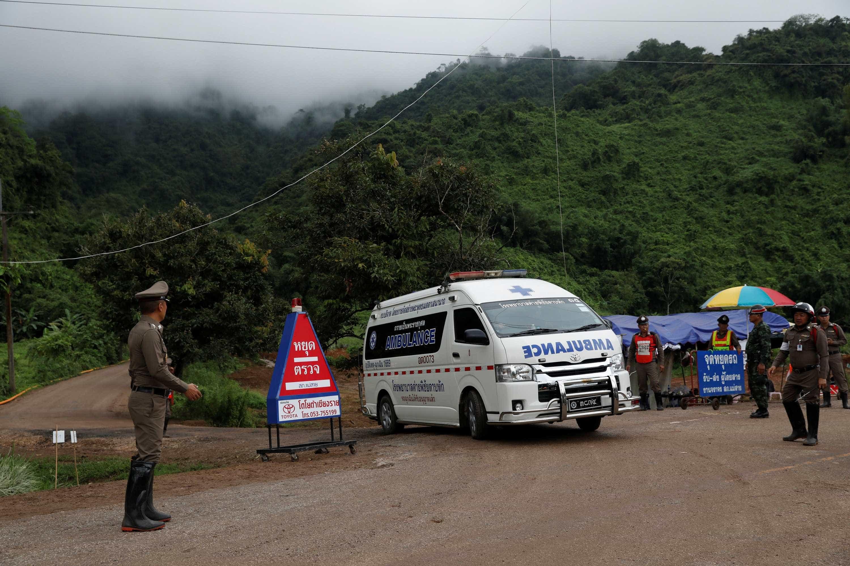 Saiba quem são os 12 garotos que ficaram presos na caverna na Tailândia