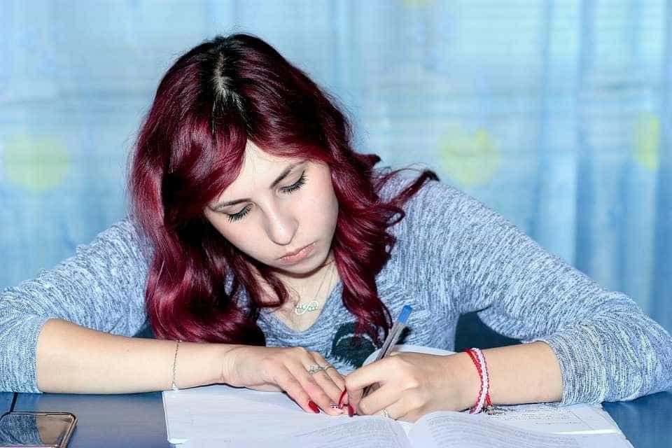 Além do ProUni, estudantes podem conquistar outras bolsas de estudos