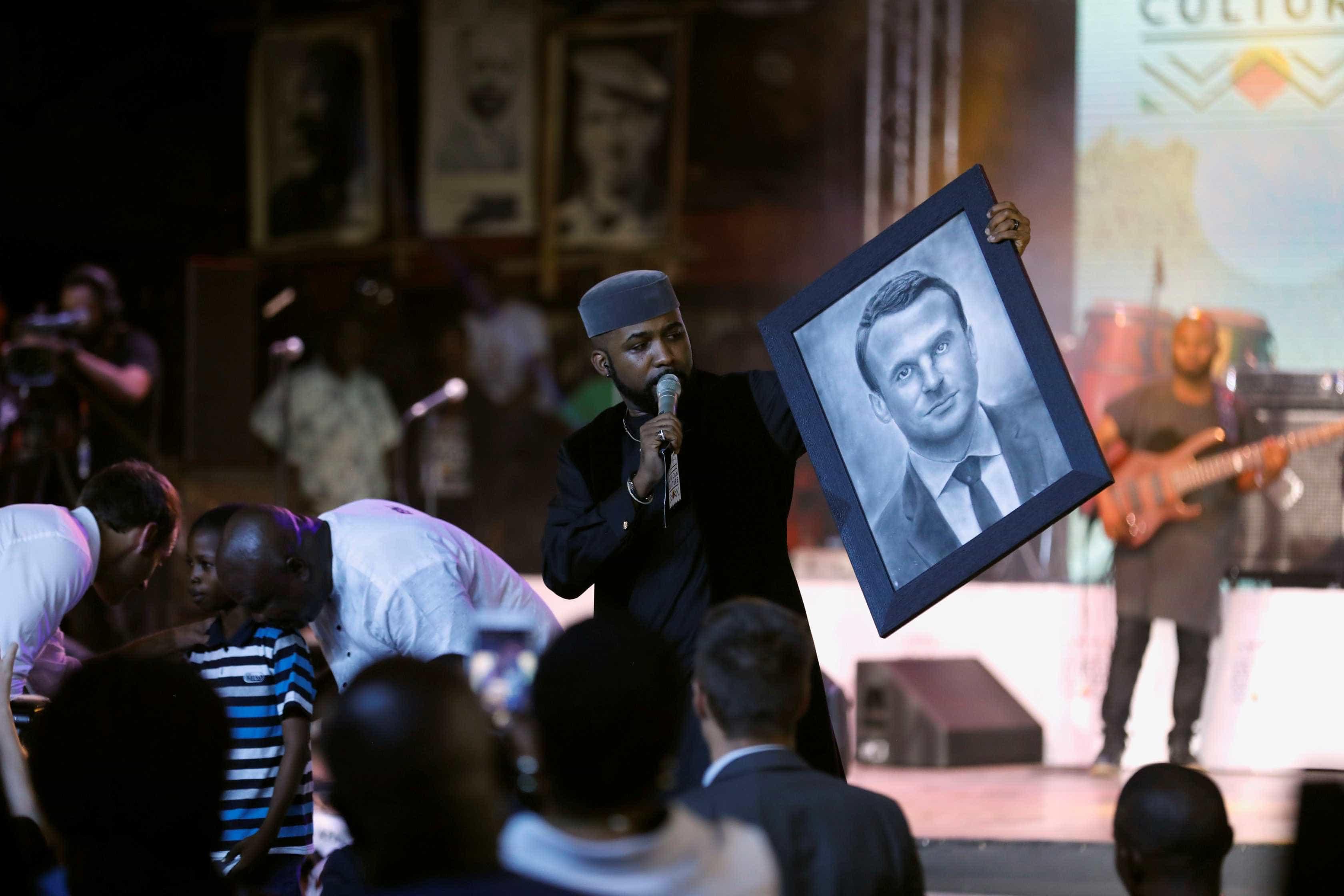 Talentoso, menino de 11 anos vira o 'Da Vinci da Nigéria'