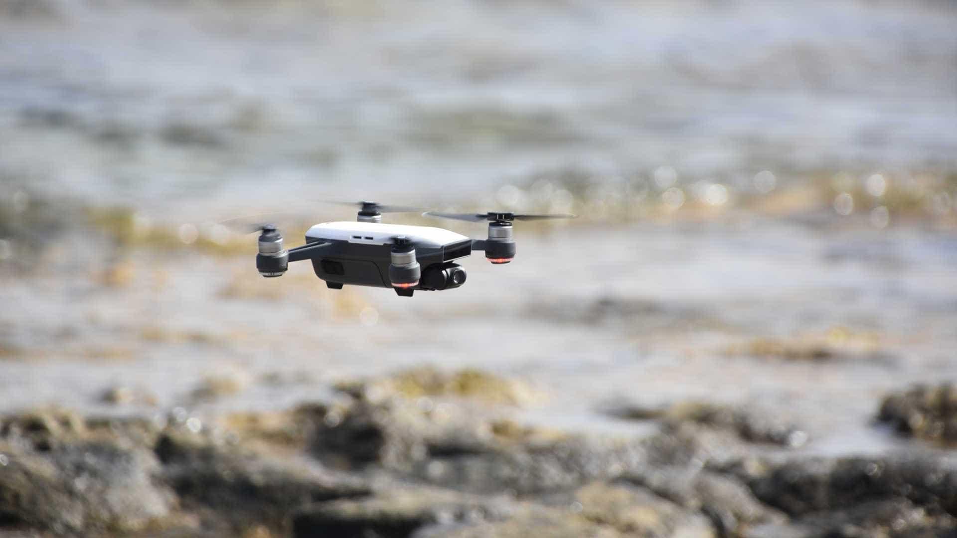Vídeo mostra drone sobrevoando presídio de SP onde estão chefes do PCC
