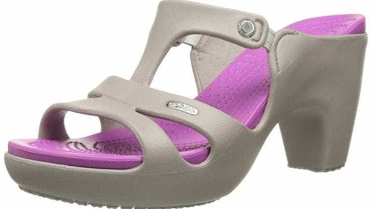 Clássico sapato Crocs ganha versão com salto